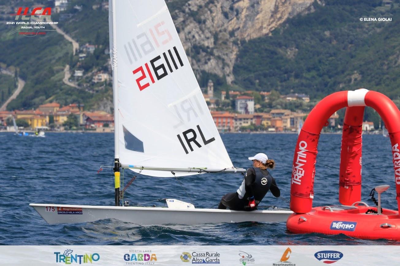 Ireland's Eve McMahon continues to impress on Lake Garda ©Elena Giolai/Laser International