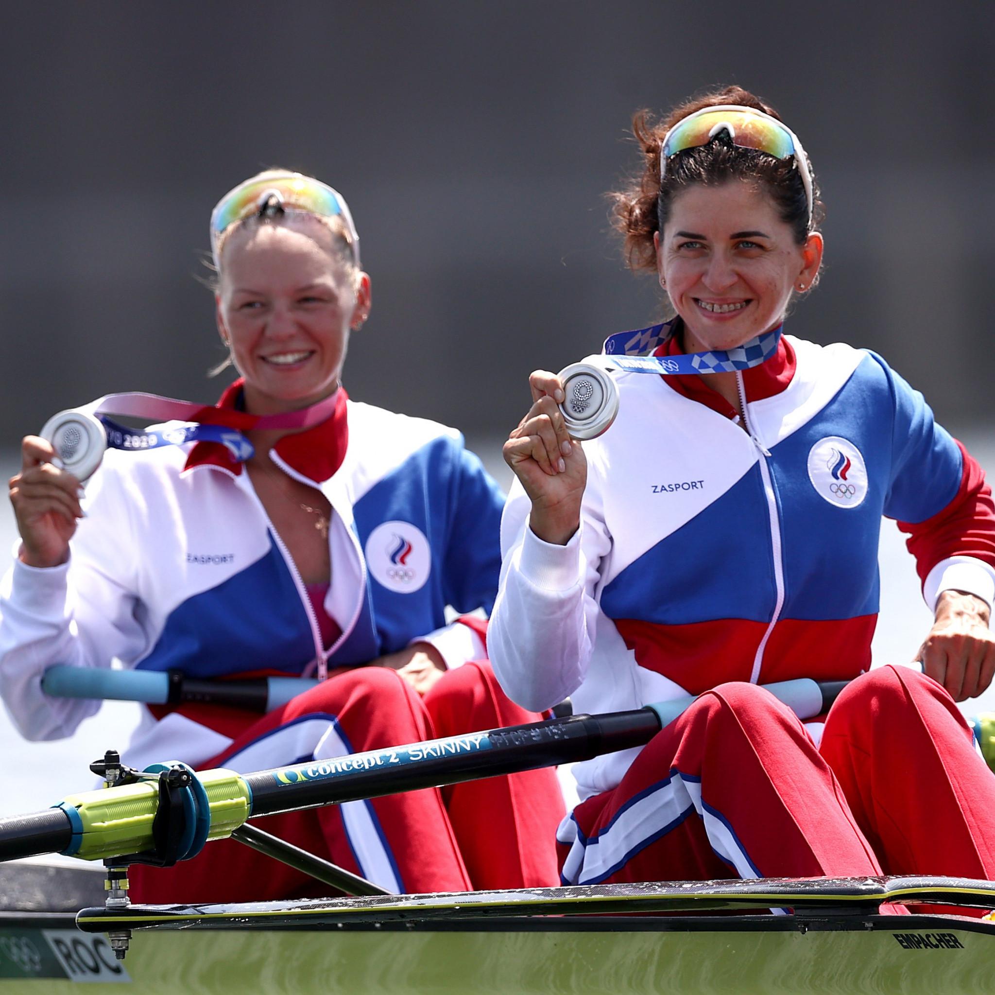Women's rowing pair