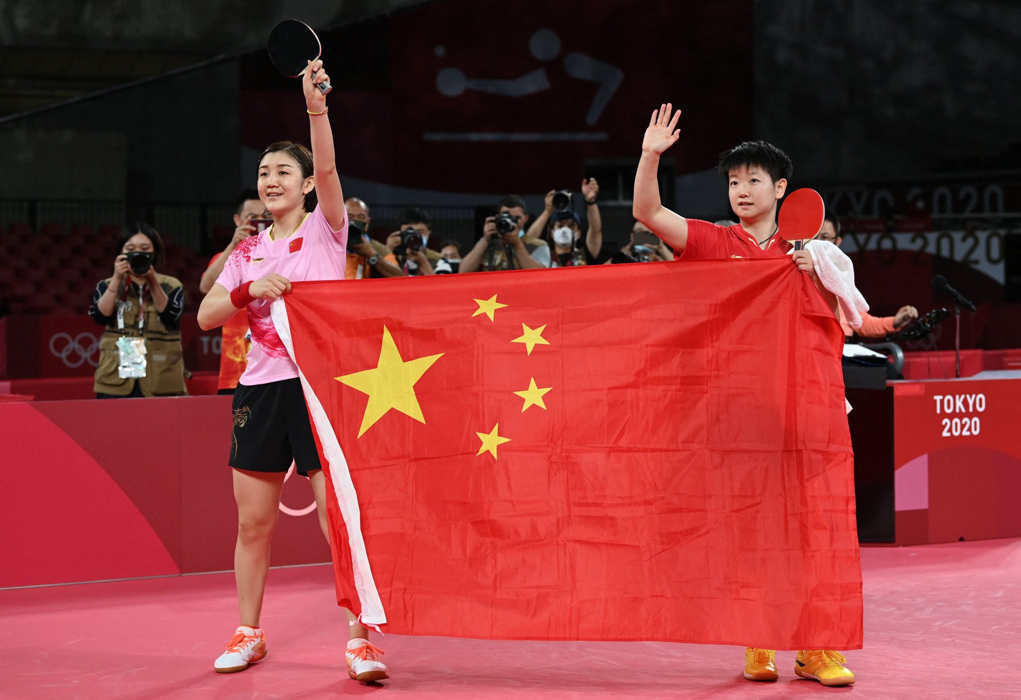 Chen Meng, left, defeated Sun Yingsha to win gold as the top seed ©Getty Images