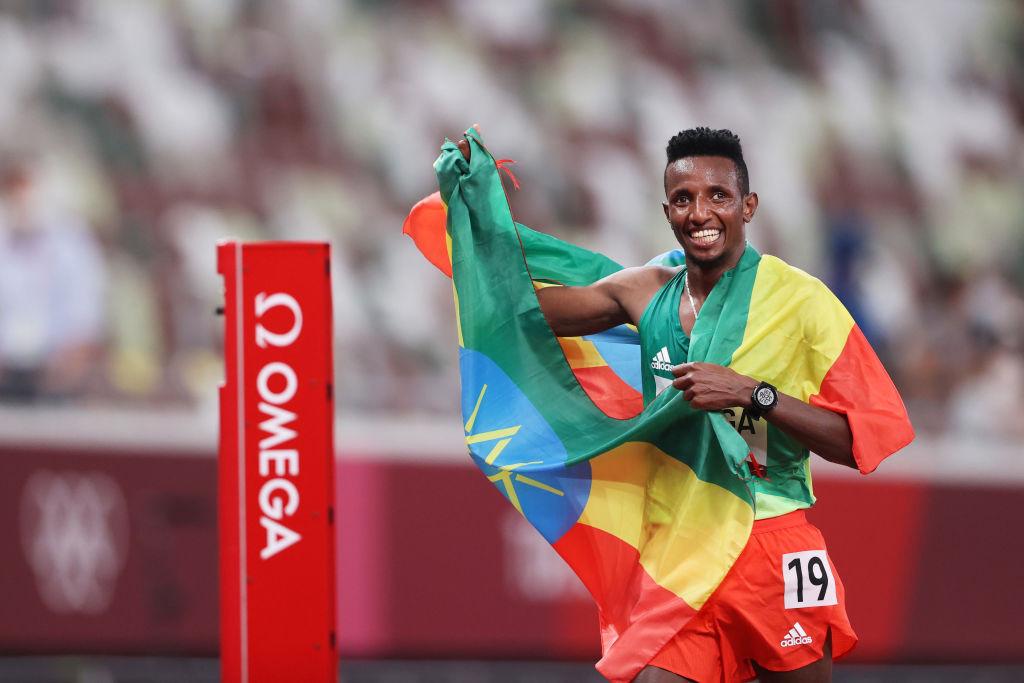Barega takes men's 10,000 metres title in first athletics gold at Tokyo 2020