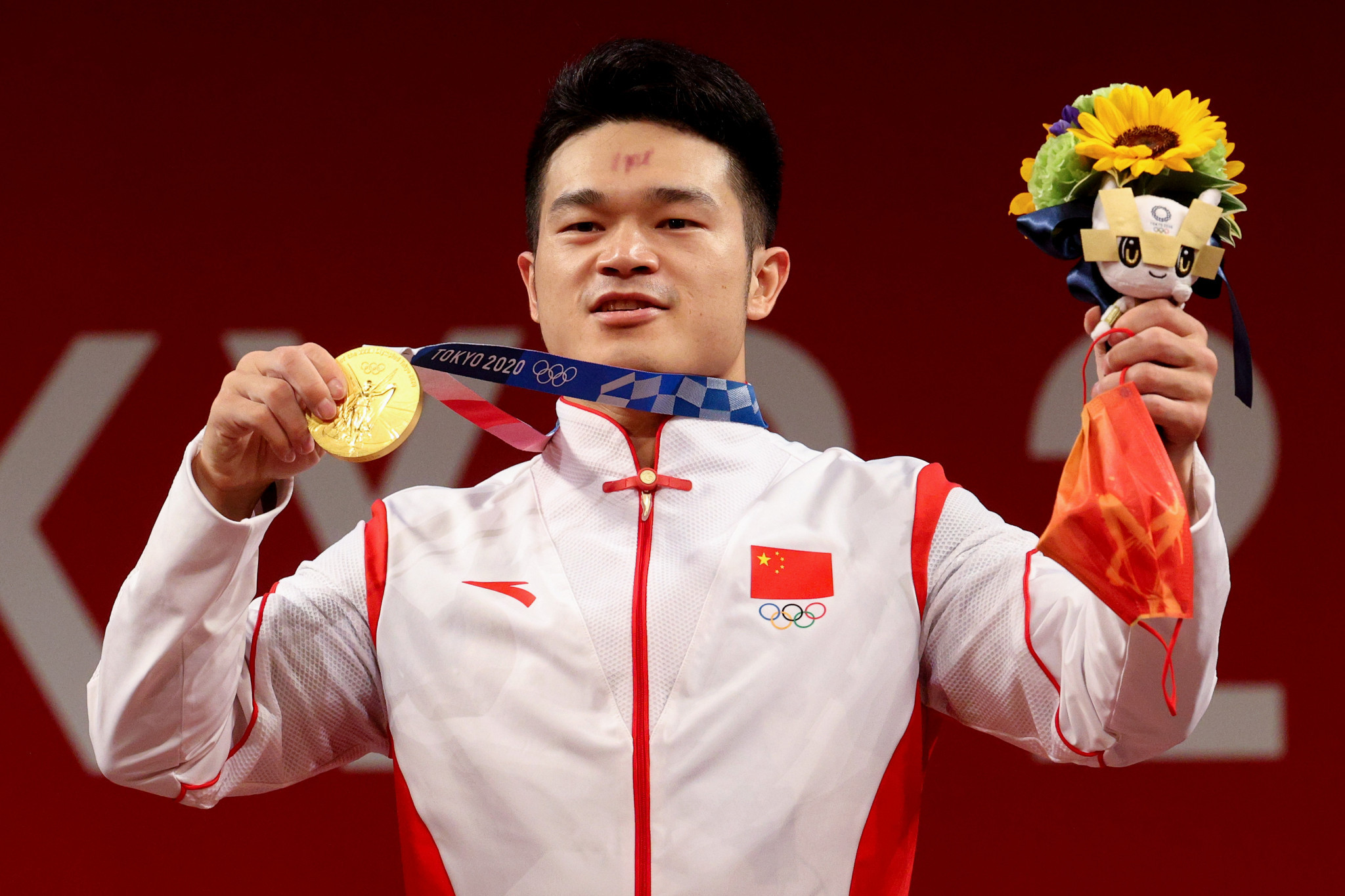Shi Zhiyong won the gold medal in the 73 kilogram category at Tokyo 2020 ©Getty Images