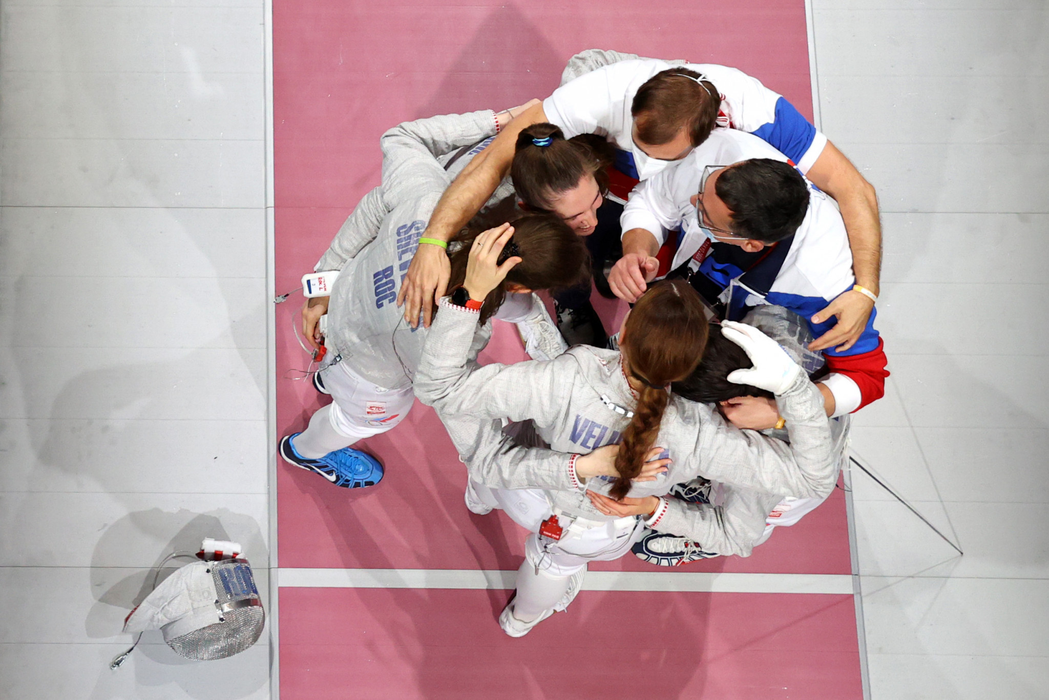 Team ROC celebrate winning the women's team sabre fencing final, after defeating France ©Getty Images