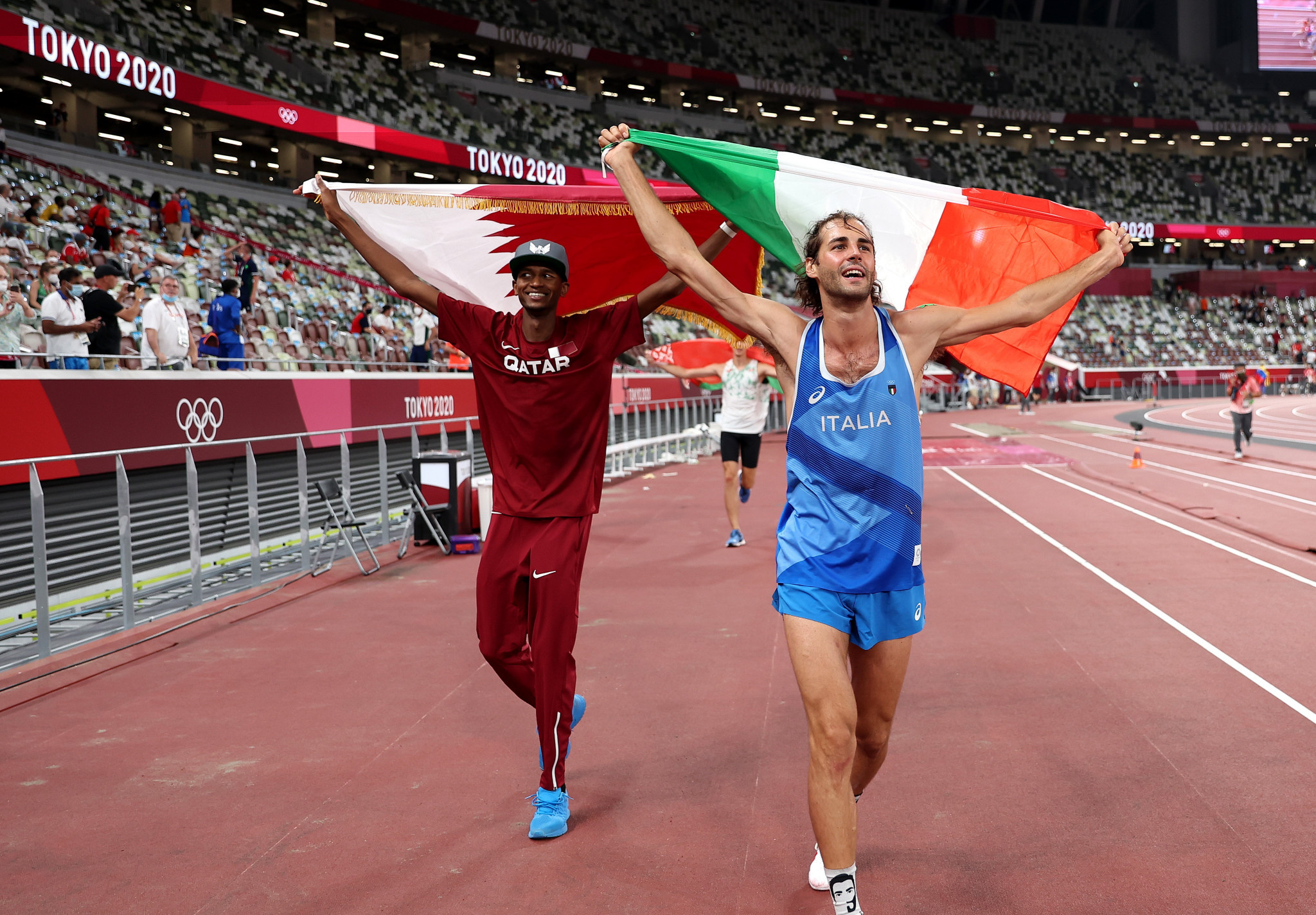 Mutaz Barshim, left, and Gianmarco Tamberi agreed to share the Olympic men's high jump title ©Getty Images