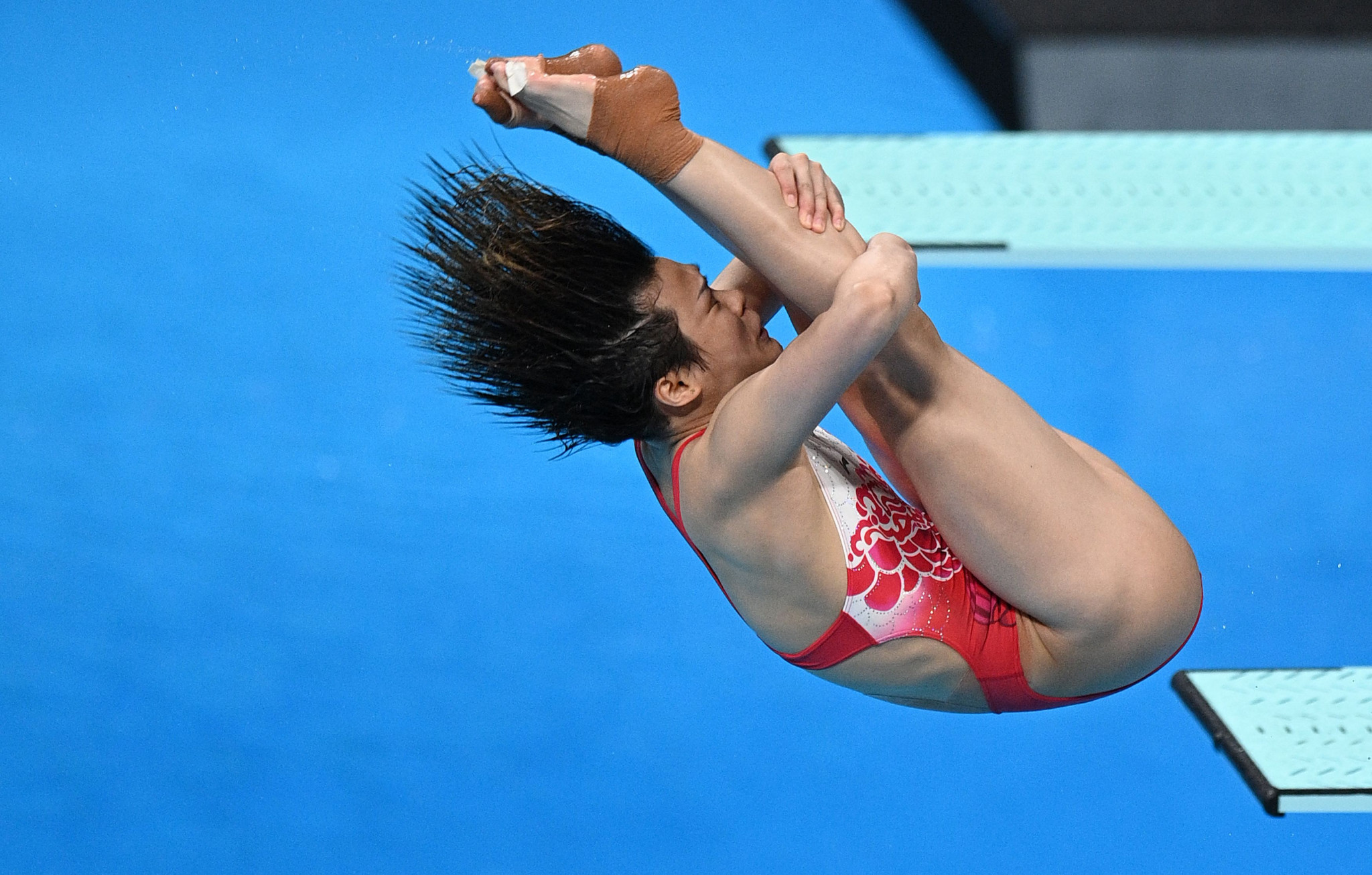 Shi doubles up with second springboard diving title at Tokyo 2020