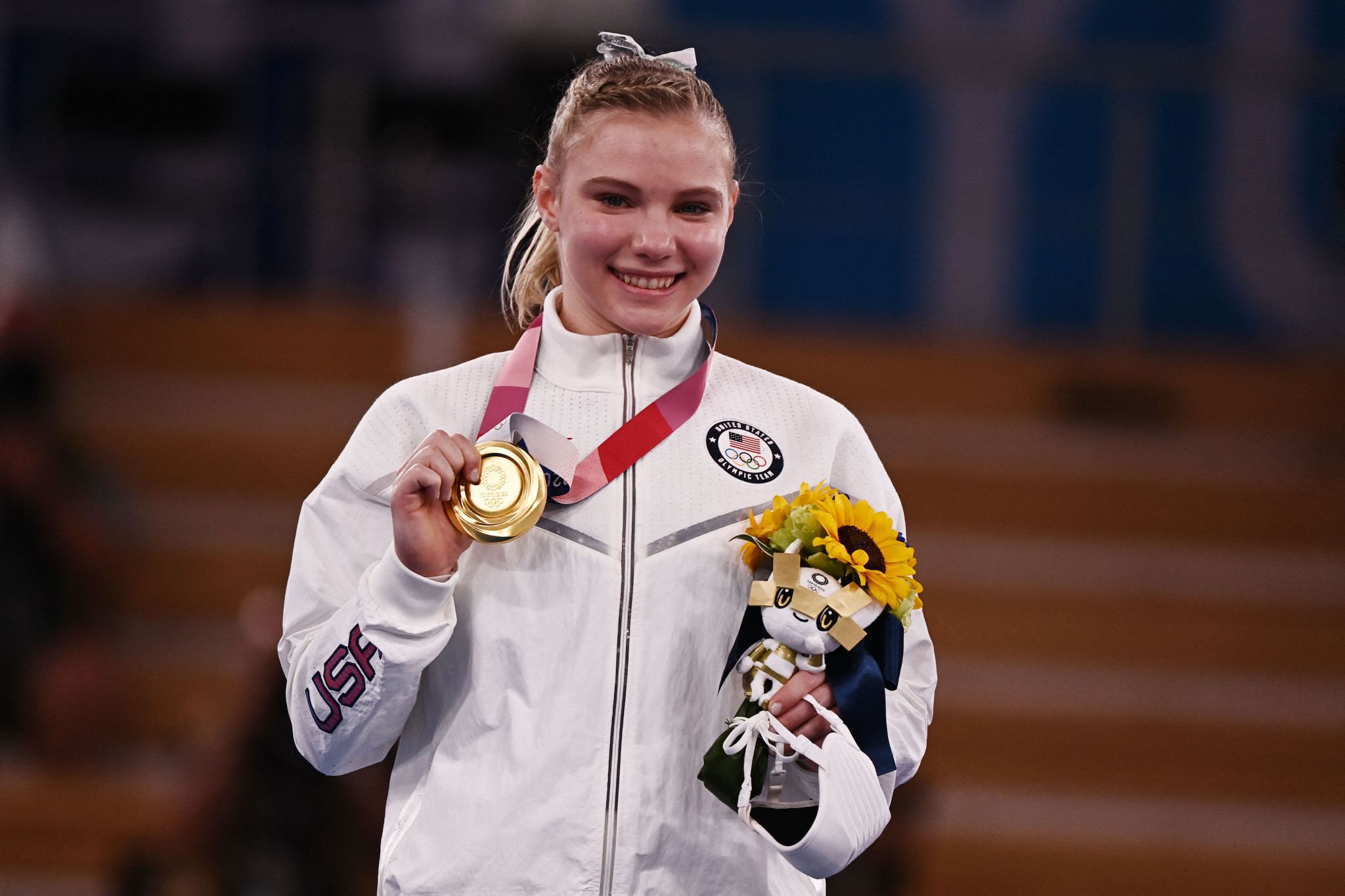 Carey gains redemption with women's floor exercise gold after vault trip