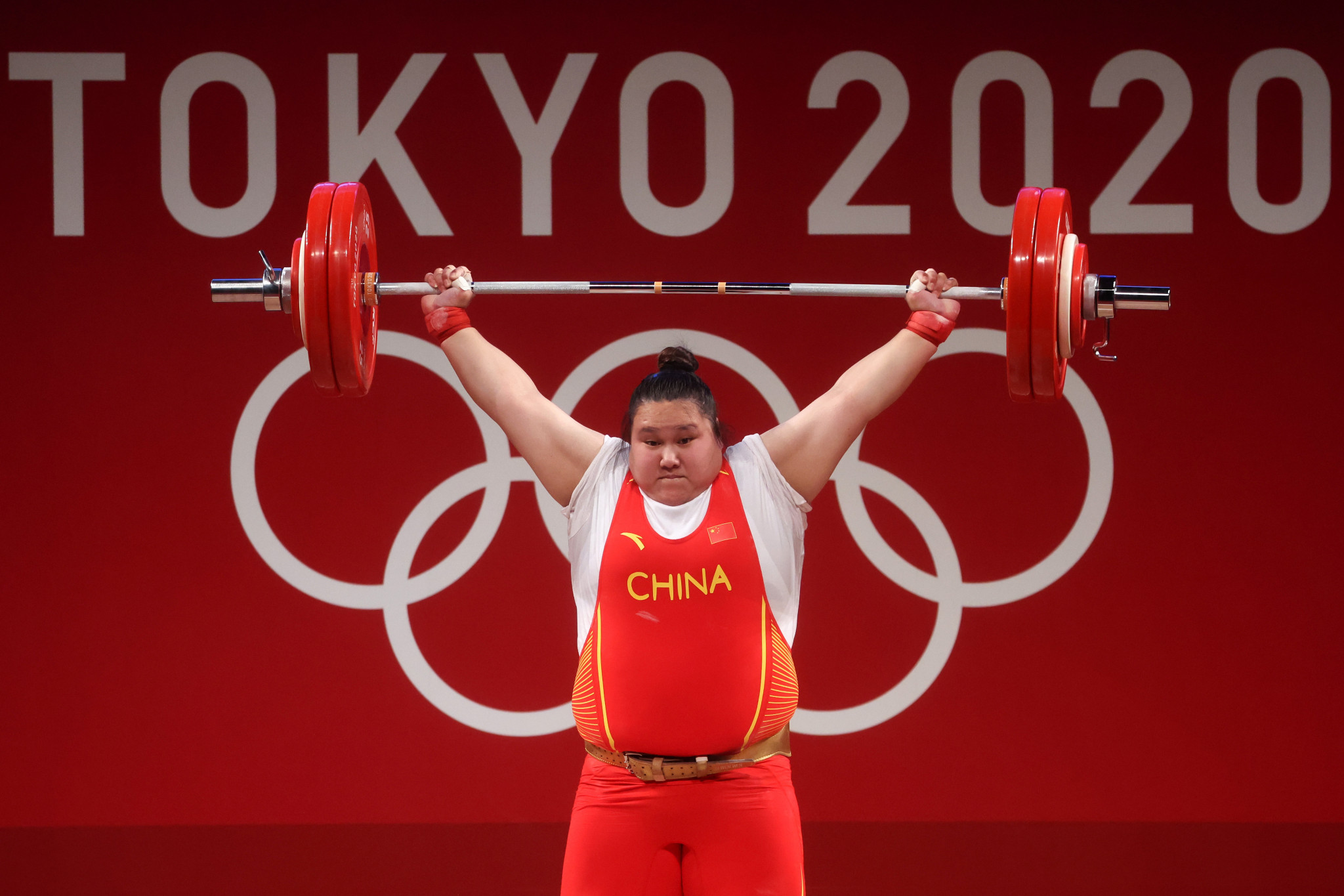 Li Wenwen went on to win the women's super-heavyweight contest by 37kg ©Getty Images