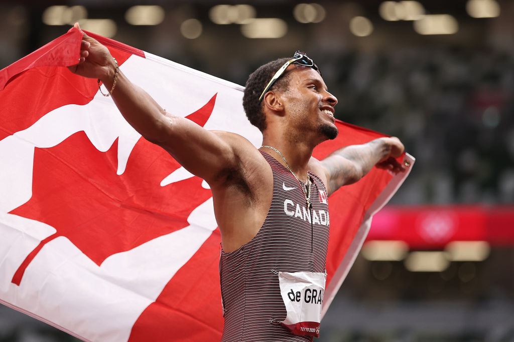 De Grasse holds off American trio to win Olympic 200m gold for Canada