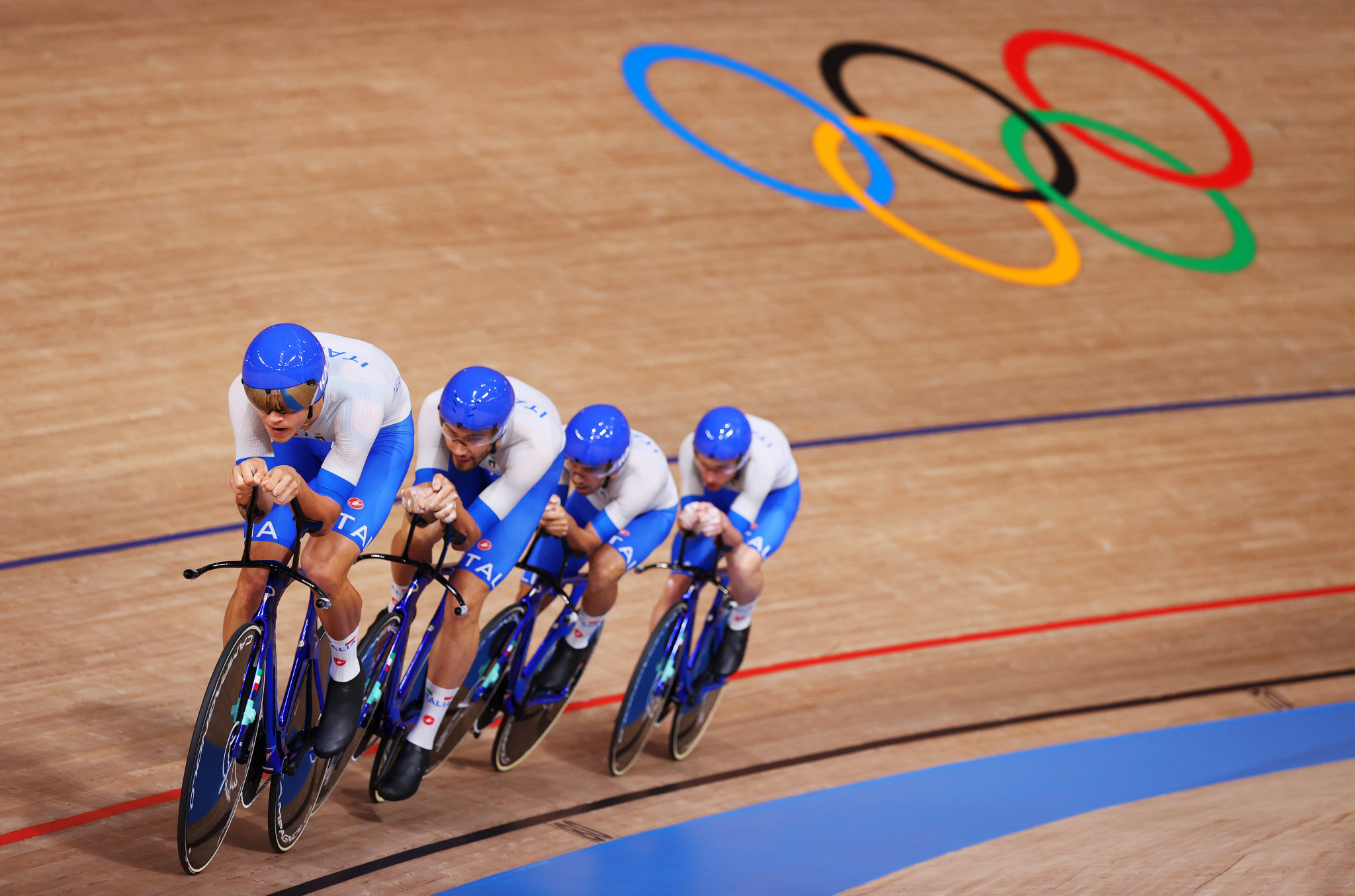 Italy lower men's team pursuit world record to beat Denmark in thriller at Tokyo 2020