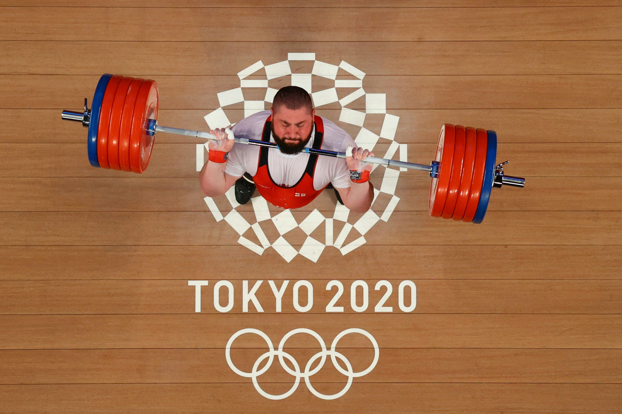 Lasha Talakhadze from Georgia ended the Tokyo 2020 weightlifting programme in stunning fashion, breaking all three of his own super-heavyweight world records en route to a gold medal ©Getty Images