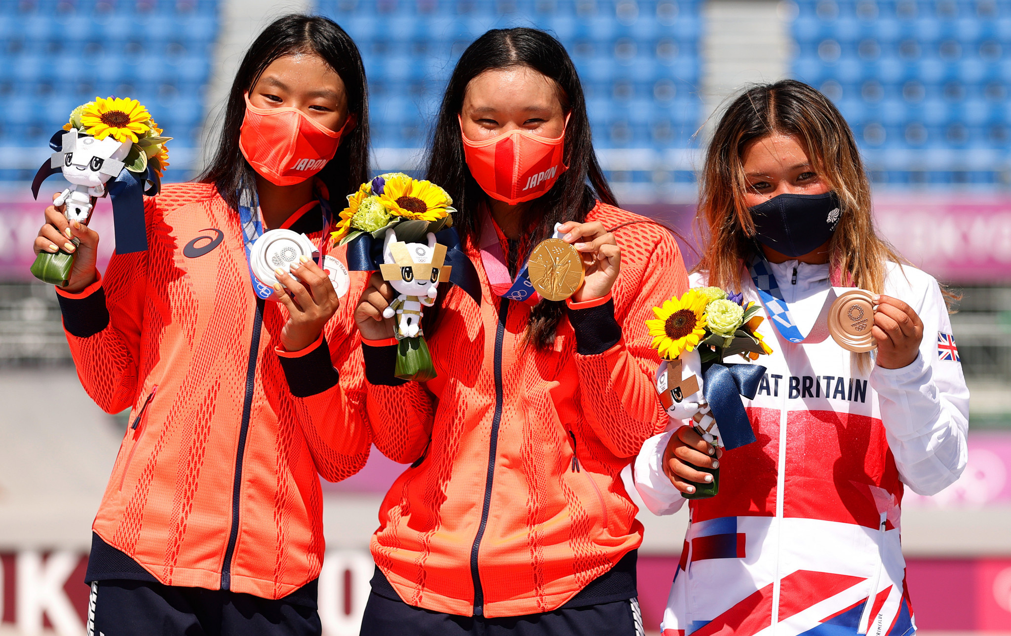 Briton Sky Brown, right, is just 13 and won bronze to join a youthful podium topped by 19-year-old home skater Sakura Yosozumi, centre ©Getty Images