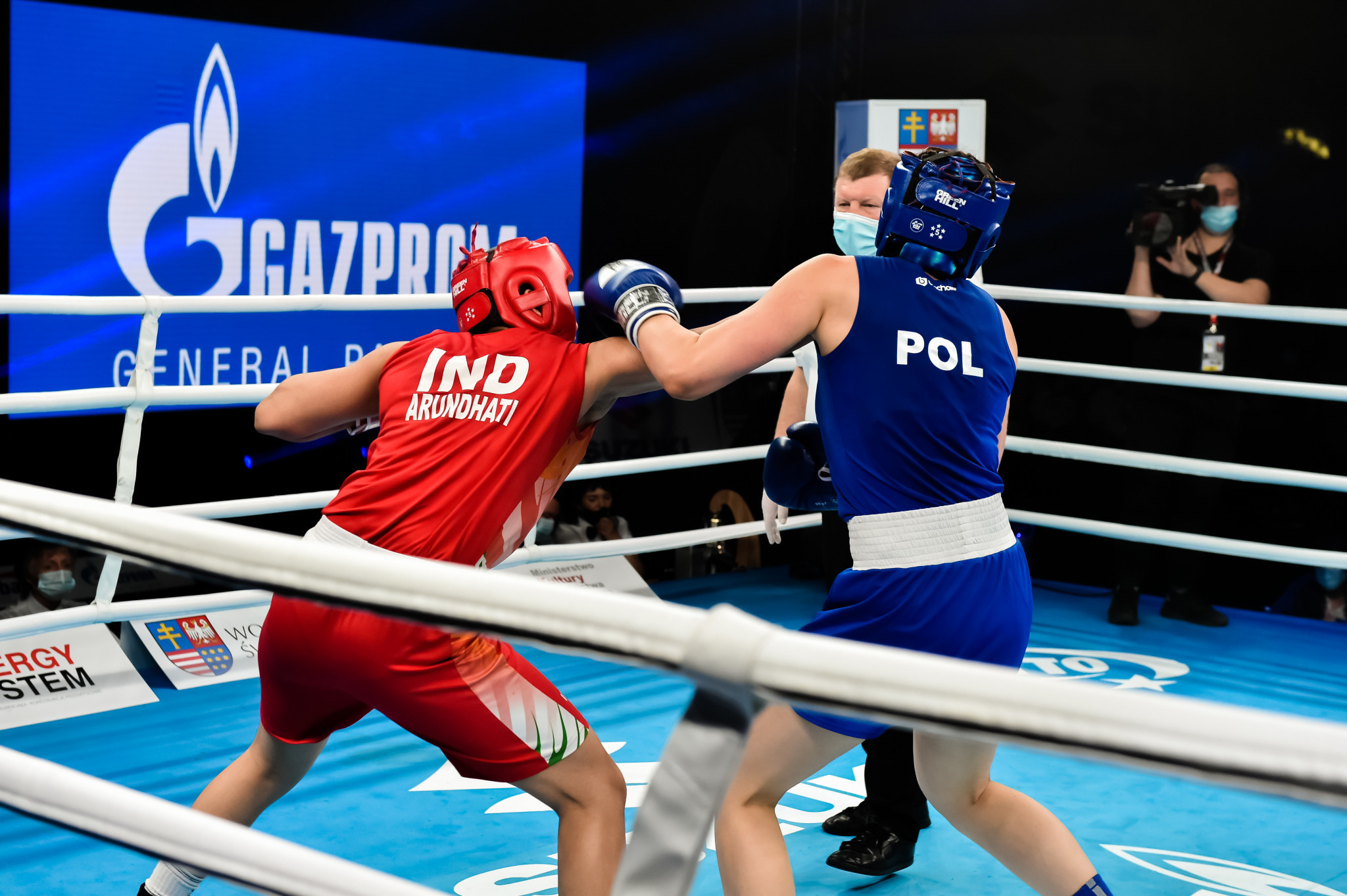 Arundhati Choudhary, in red, was one of eight Indian champions at the 2021 Youth World Boxing Championships ©AIBA