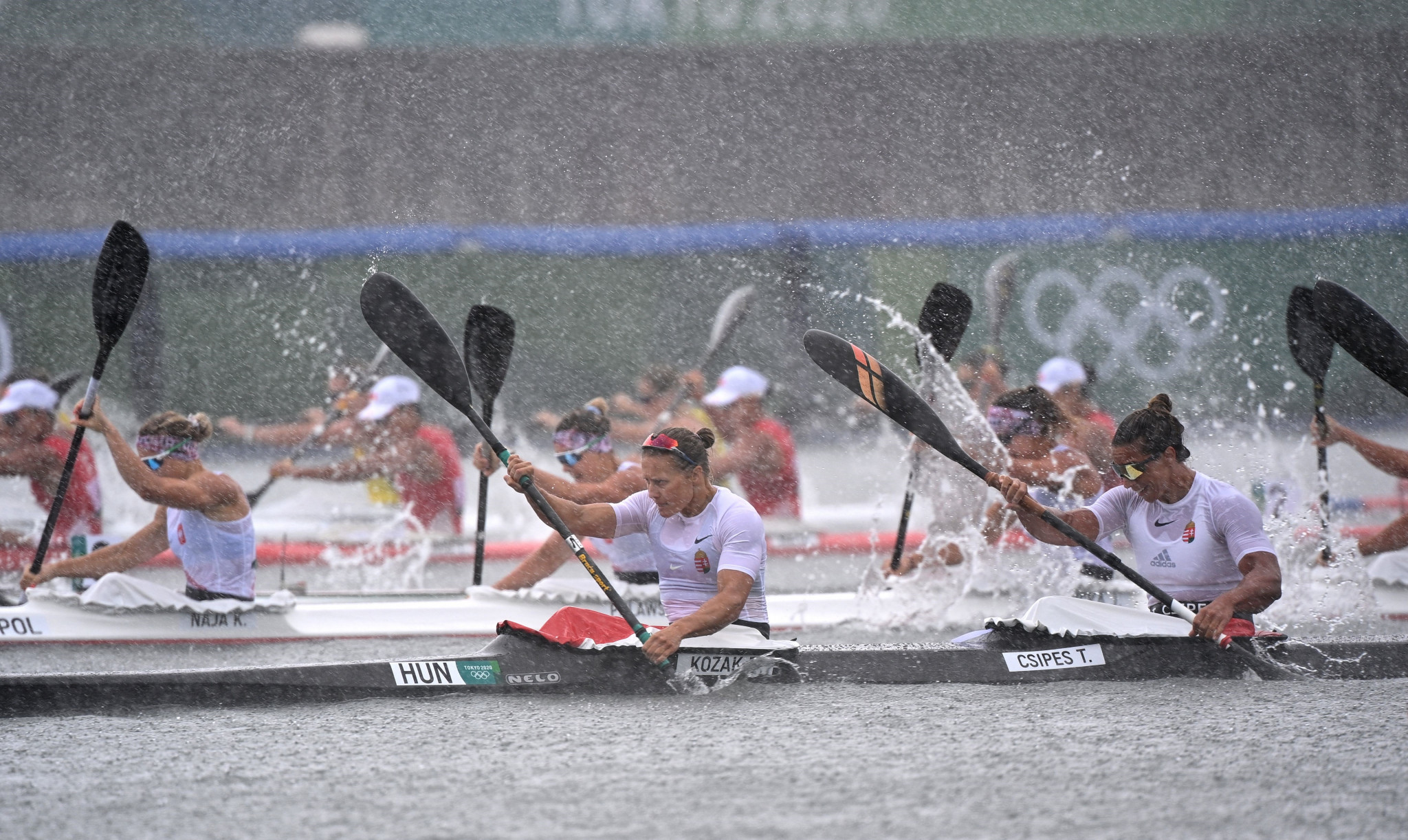 Danuta Kozák leads Hungary to victory in the women's K4 500m final ©Getty Images
