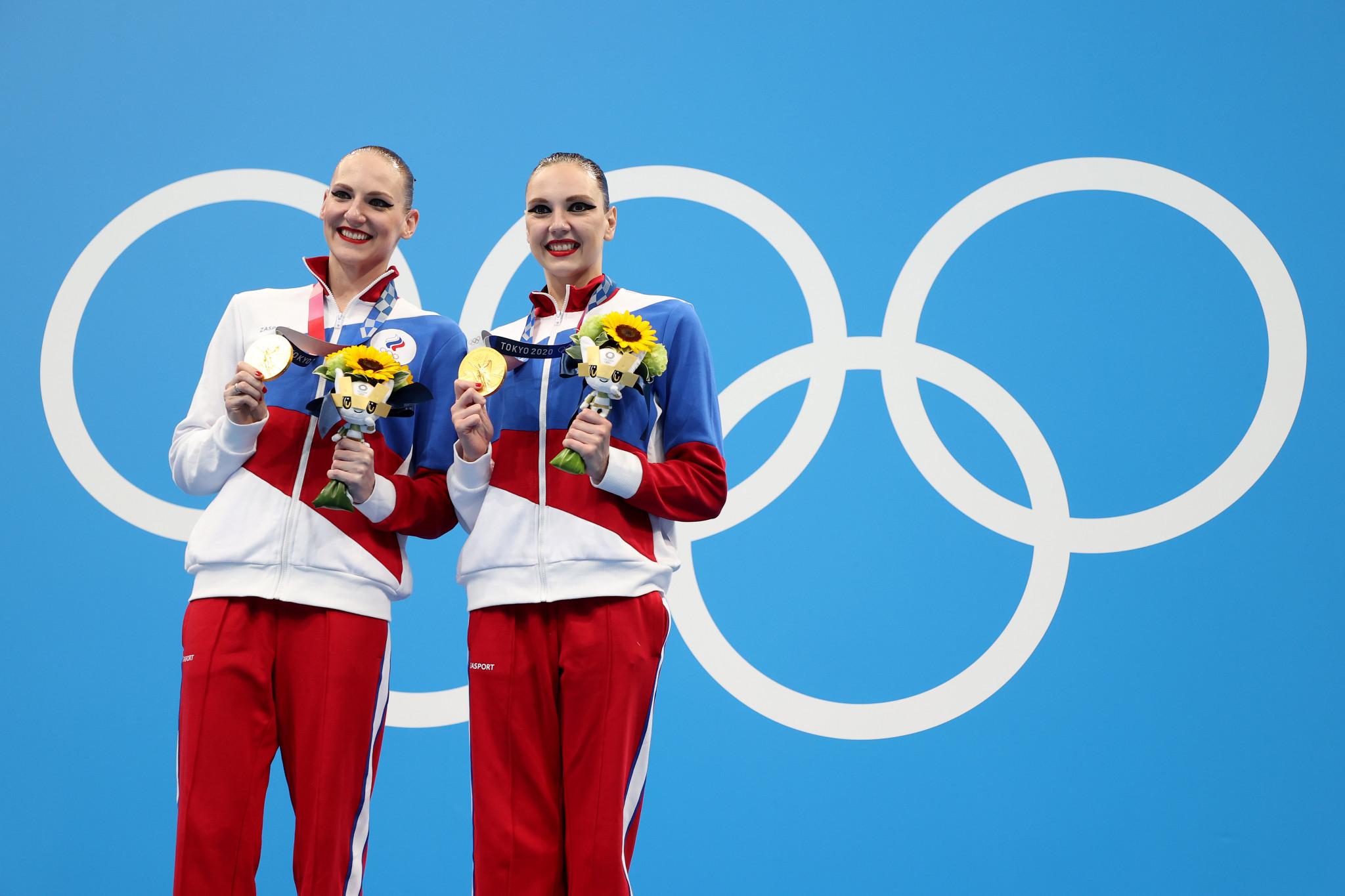 Svetlana Kolesnichenko and Svetlana Romashina also won gold in the artistic swimming duet discipline at Tokyo 2020 ©Getty Images