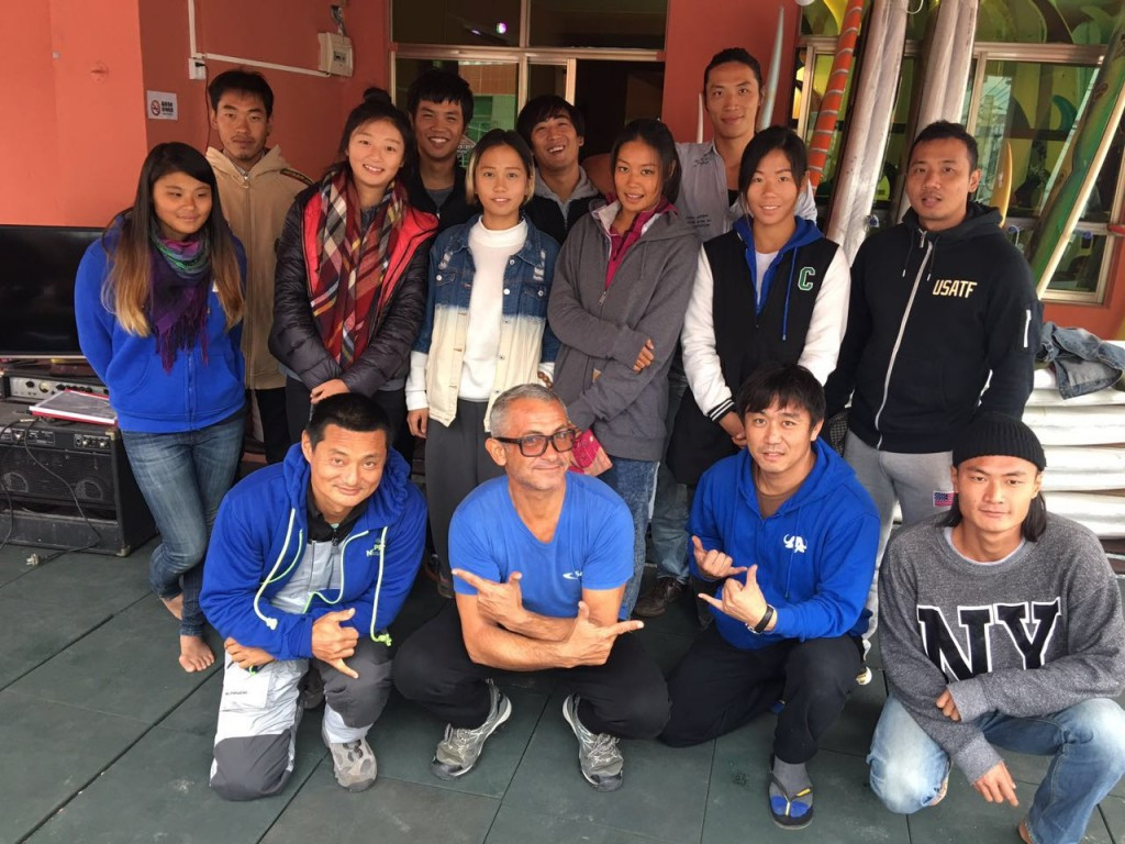 Surfing instructors complete ISA course in China
