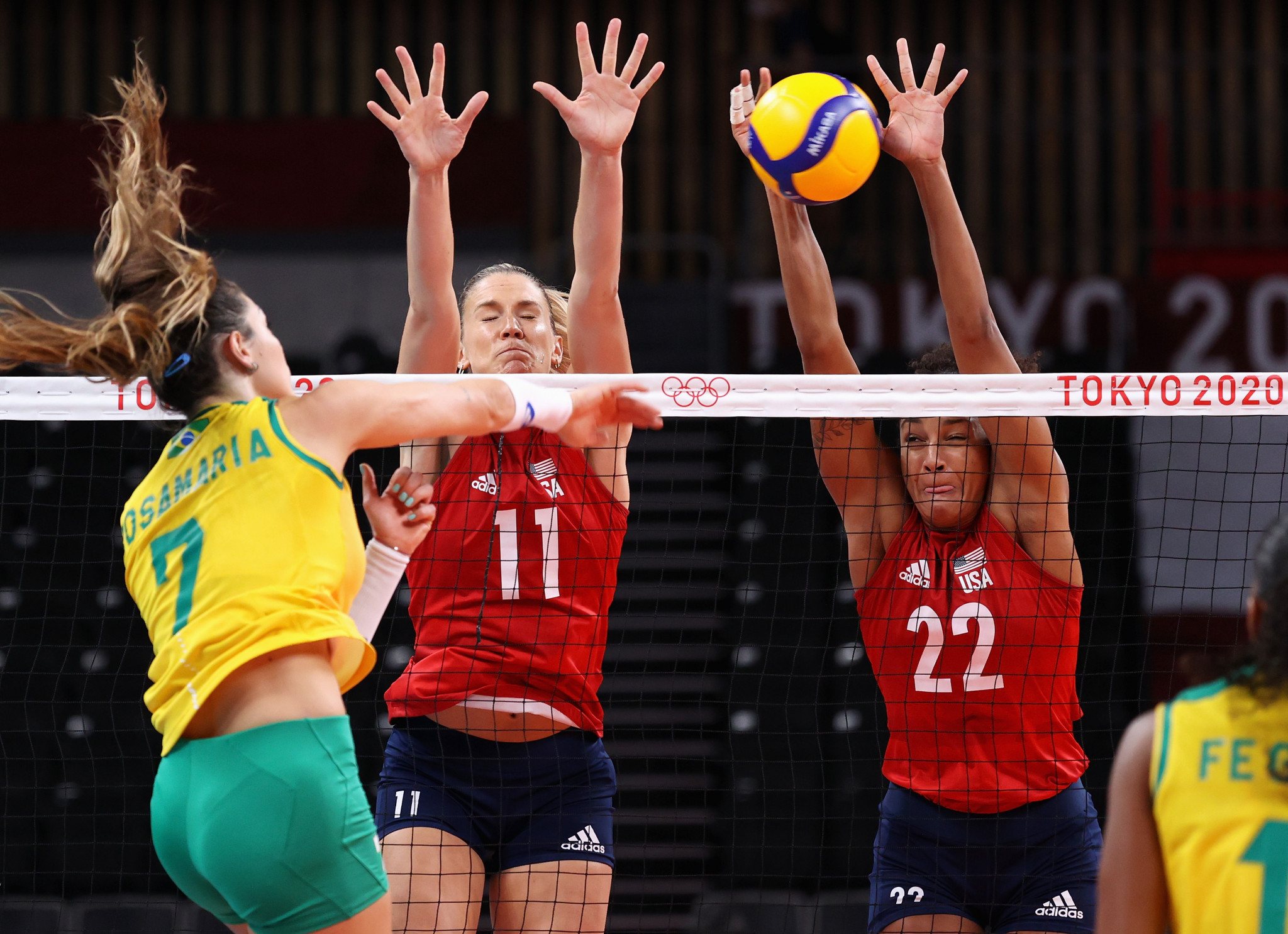 The United States, playing in red, won the Olympic women's volleyball title for the first time after defeating Brazil ©Getty Images