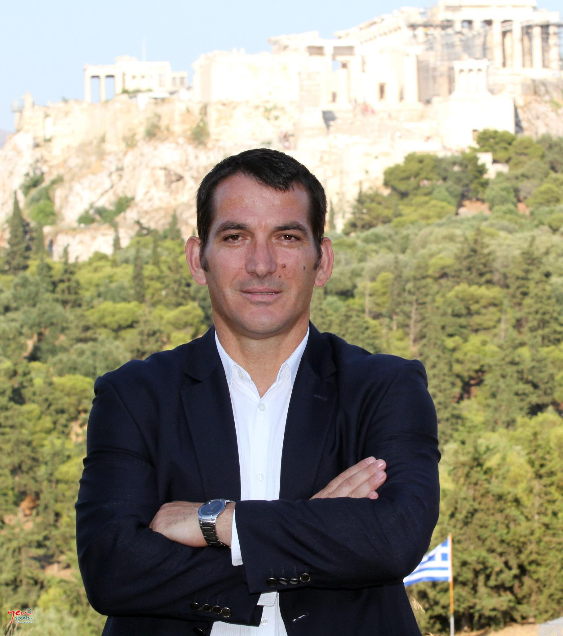 Greece's Pyrros Dimas has put his name to a statement calling upon the entire IWF Board - of which he is a member - to resign in a bid to save the sport's Olympic future ©Peace and Sport