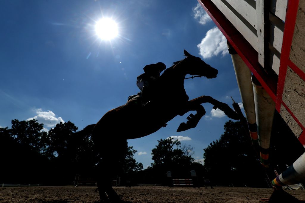 German modern pentathlon official tests positive for COVID-19 on final day of Tokyo 2020