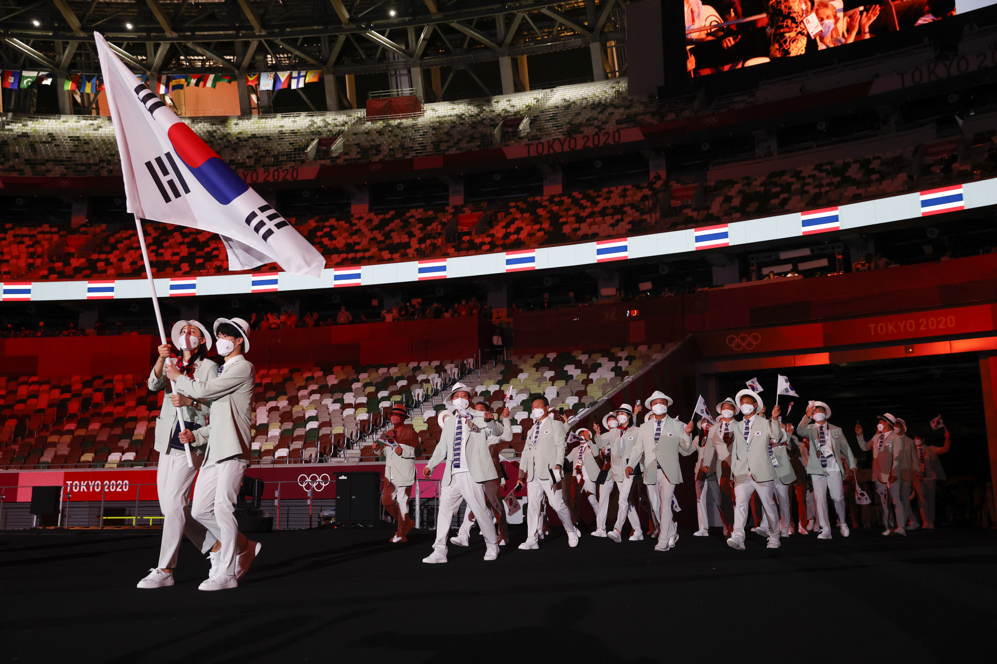 Hwang Sun-woo carried the South Korean flag at the Tokyo 2020 Olympic Opening Ceremony ©Getty Images