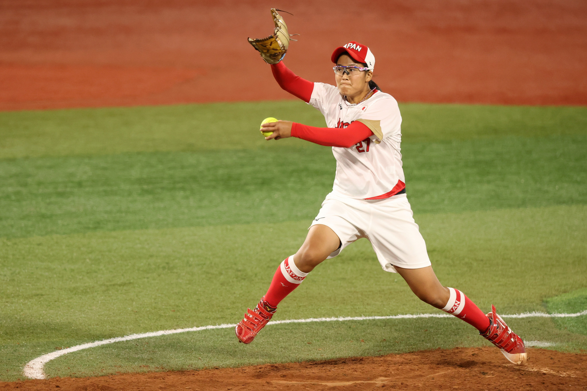 Japanese softball pitcher Miu Goto is to receive a new gold medal after the Mayor of Nagoya bit her original ©Getty Images
