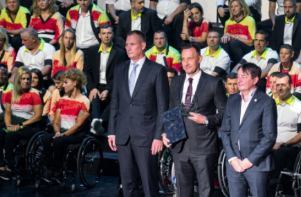 FITEQ vice-president Gattyán honoured with Hungarian Paralympic Committee award