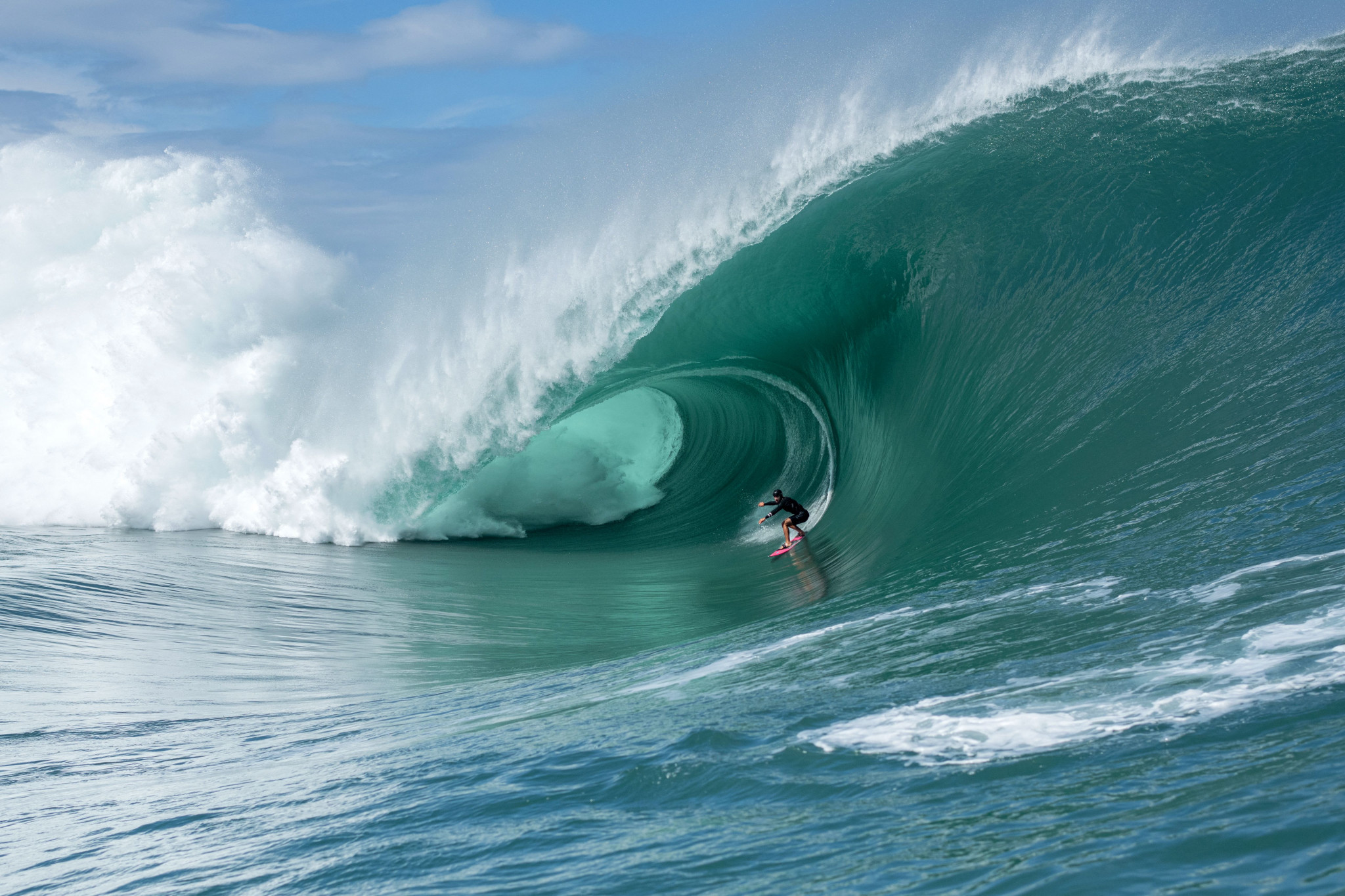 Teahupo'o World Surf League leg cancelled over French Polynesia state of emergency