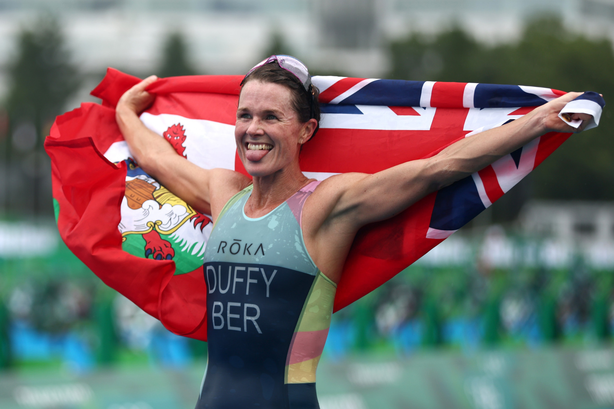 Duffy adds third world title to Olympic triathlon gold and Blummenfelt leapfrogs Yee to take men's crown