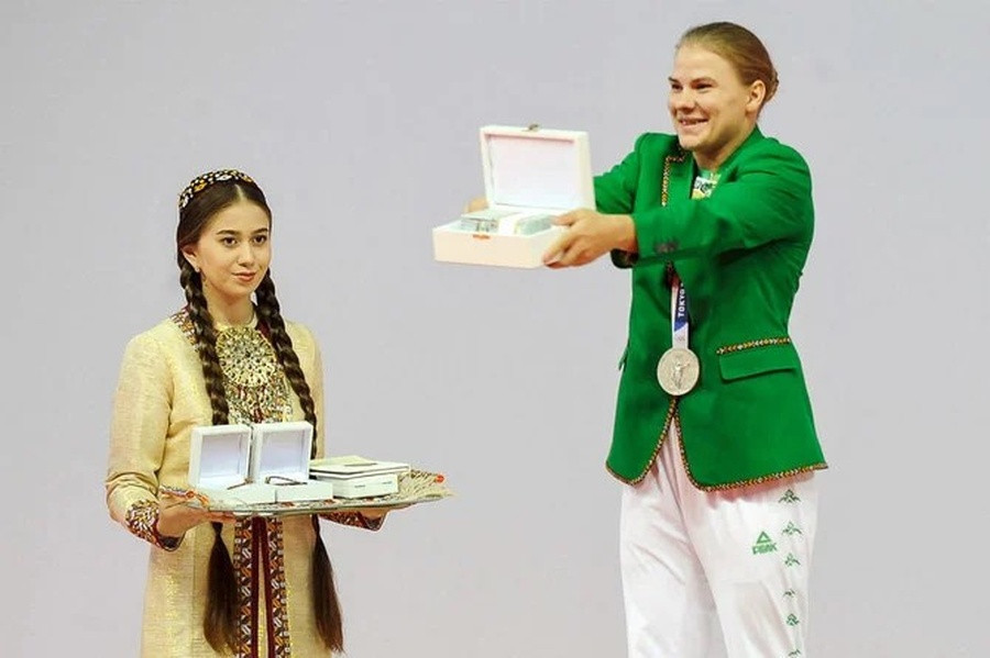 Turkmenistan honour first Olympic medallist with series of gifts