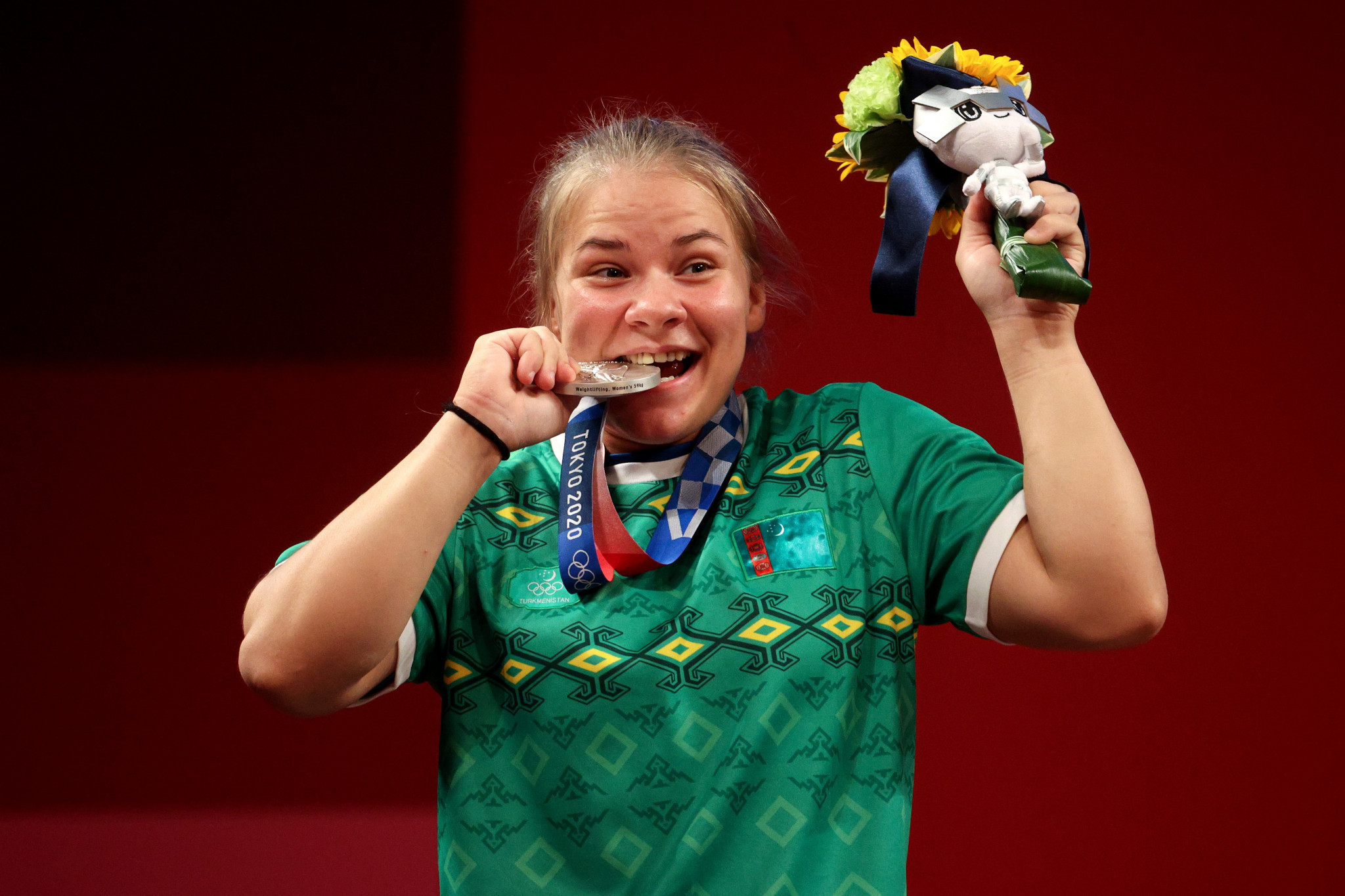 Polina Guryeva celebrates becoming the first Turkmenistan athlete to win an Olympic medal since its debut at Atlanta 1996 ©Getty Images