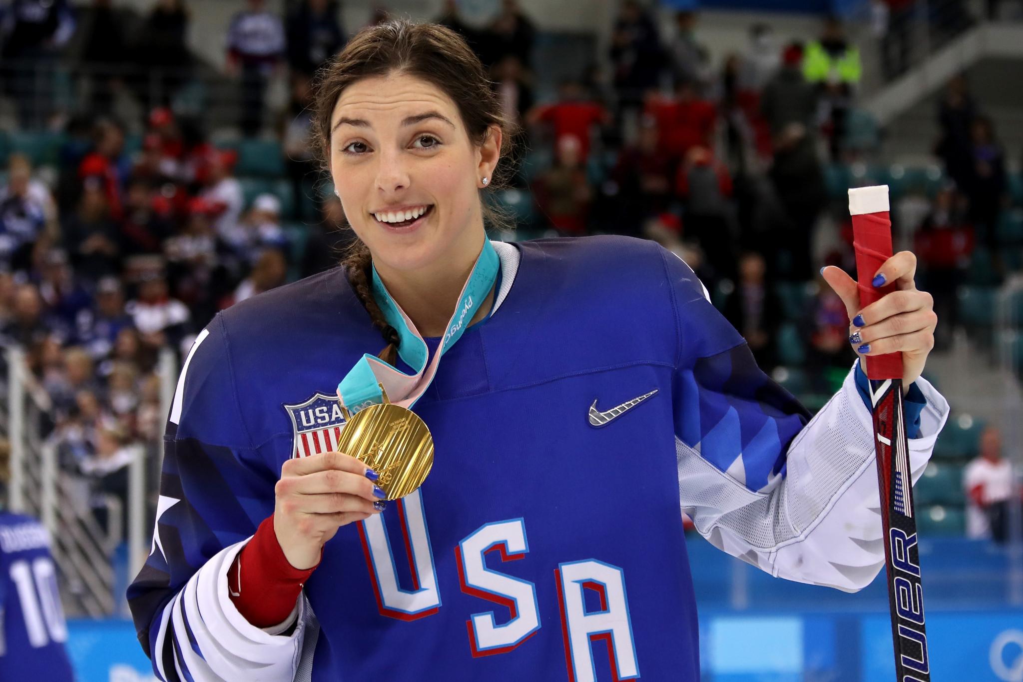 Knight breaks IIHF Women's World Championship goalscoring record as US and Canada win again