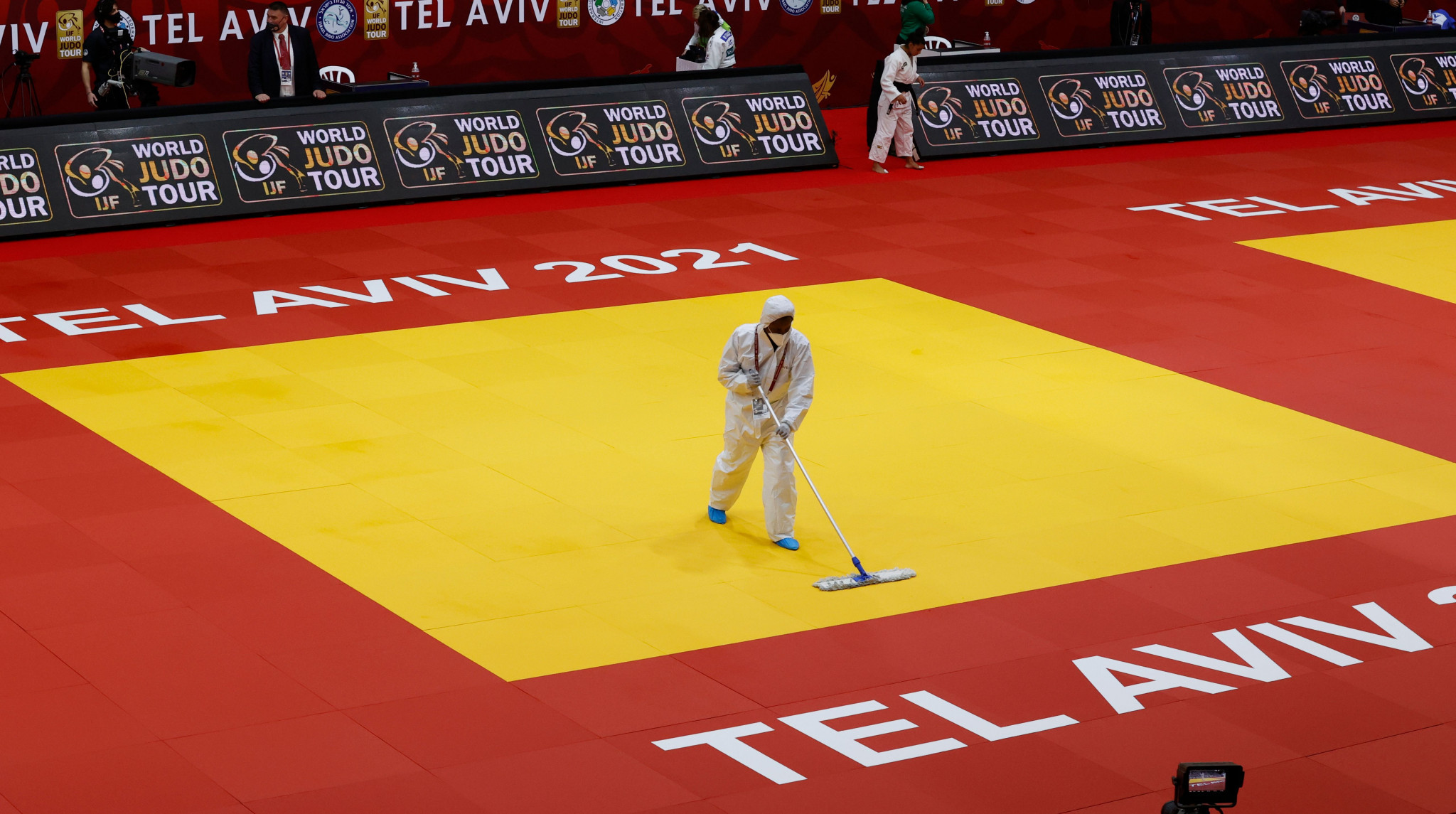 Besides tatami mats, Materik produce boxing rings, mixed martial arts octagons, wrestling carpets and other combat sport equpiment ©Getty Images
