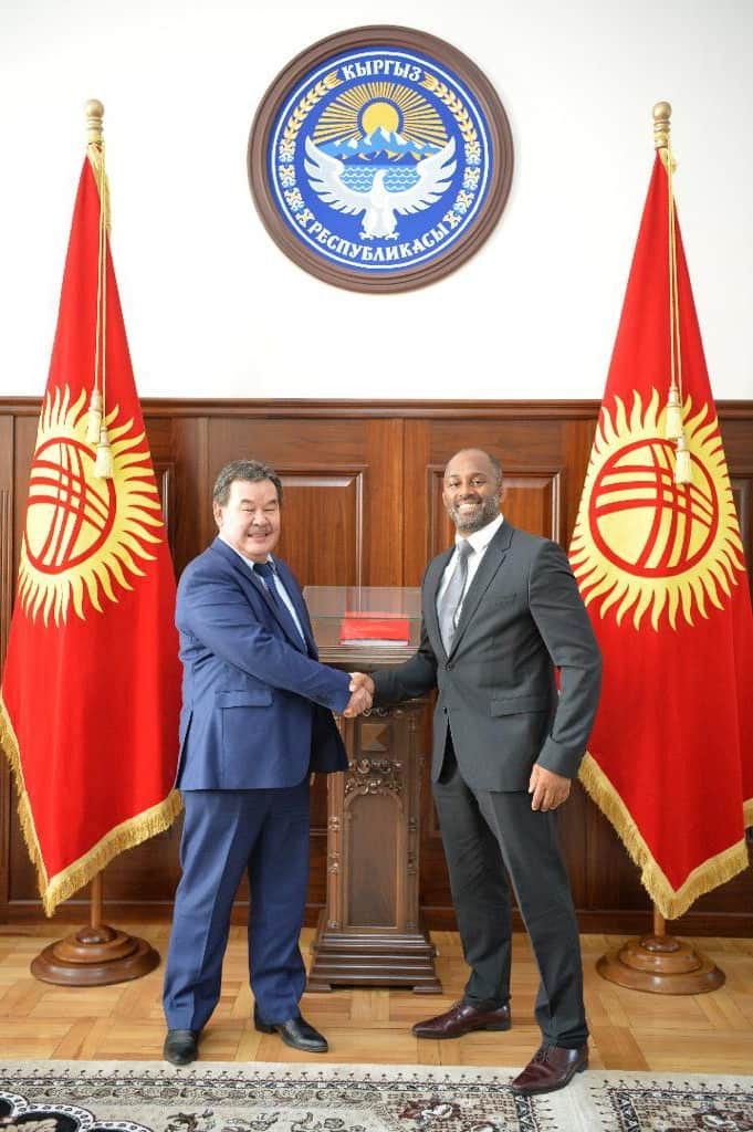"""IMMAF President Kerrith Brown, right, called Kyrgyzstan """"a country of great potential"""" ©IMMAF"""
