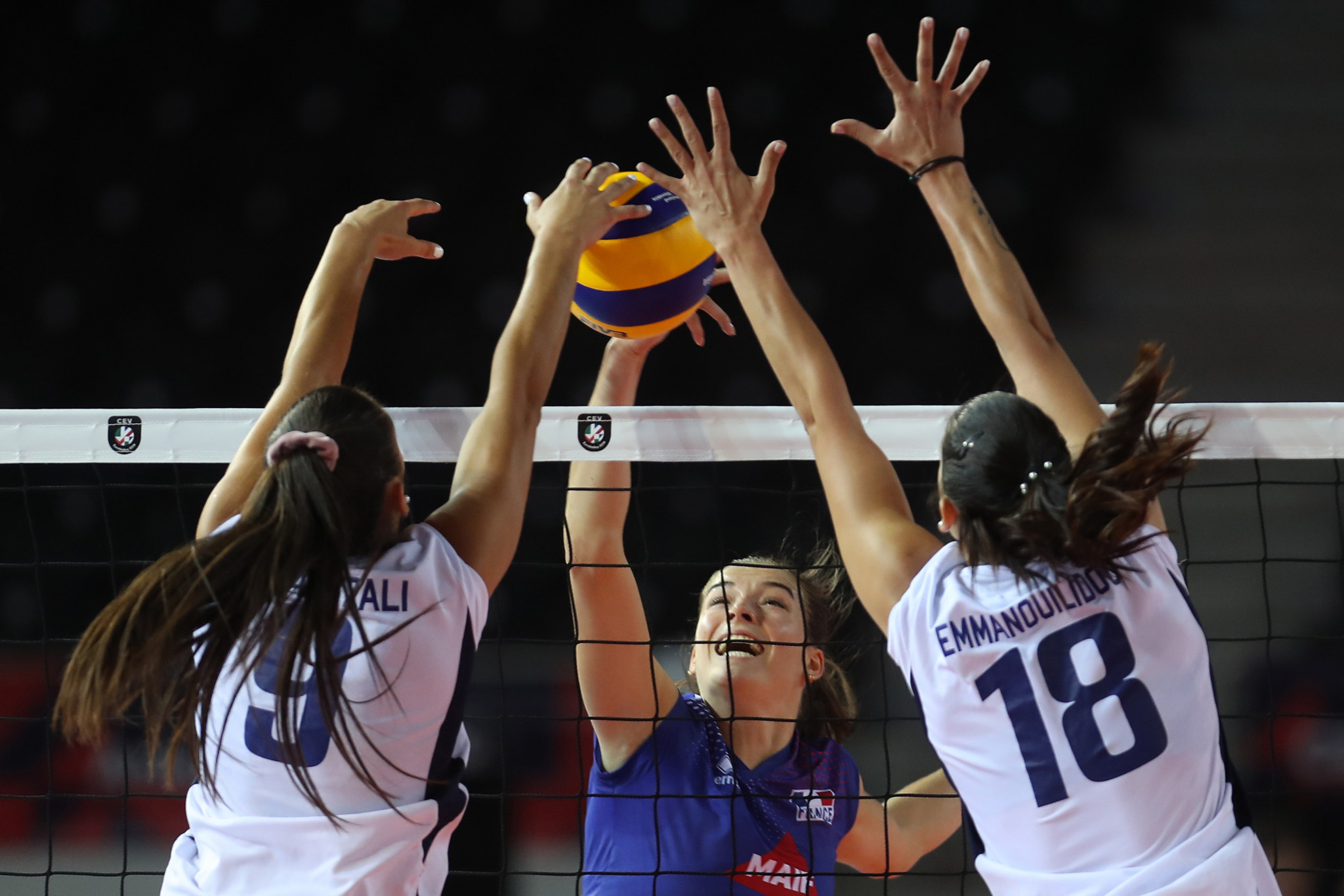France come from behind to secure quarter-final place at 2021 Women's EuroVolley