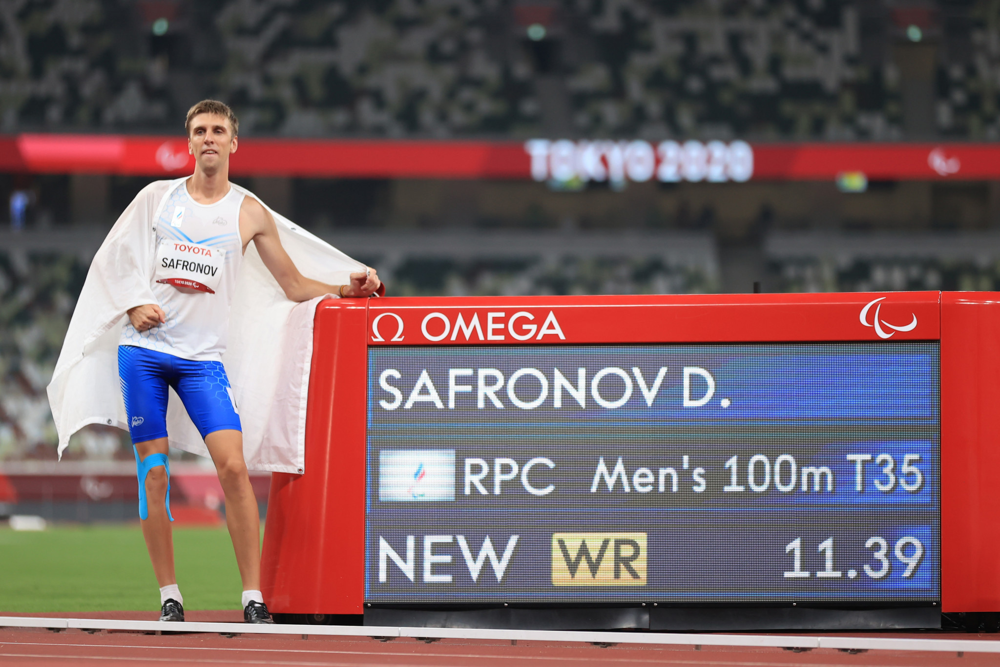 Safronov ran 11.39sec to break his and team-mate's Artem Kalashian's - who claimed the bronze medal - joint world record ©Getty Images