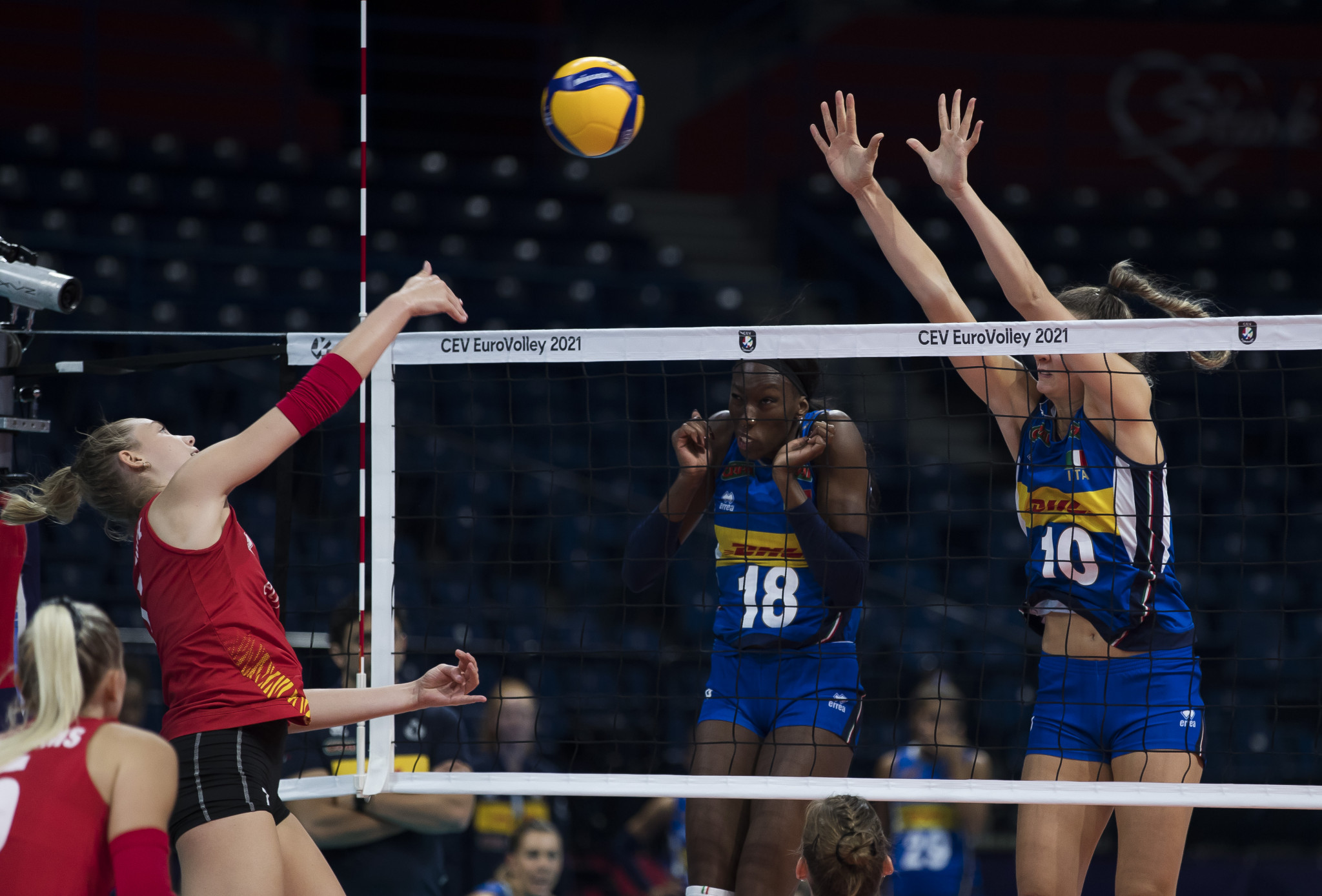 Italy and Russia claim last quarter-final spots in 2021 Women's EuroVolley