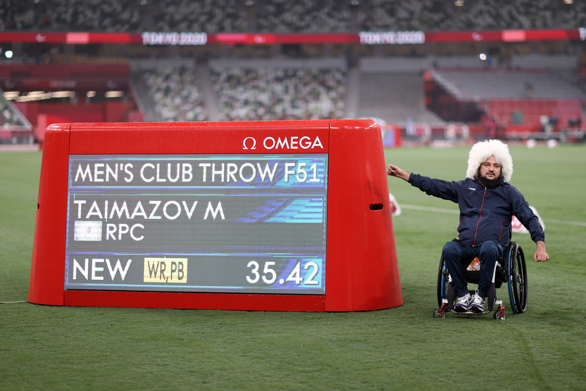 Musa Taimazov broke the world record in the men's F51 club throw with a distance of 35.42m ©Getty Images