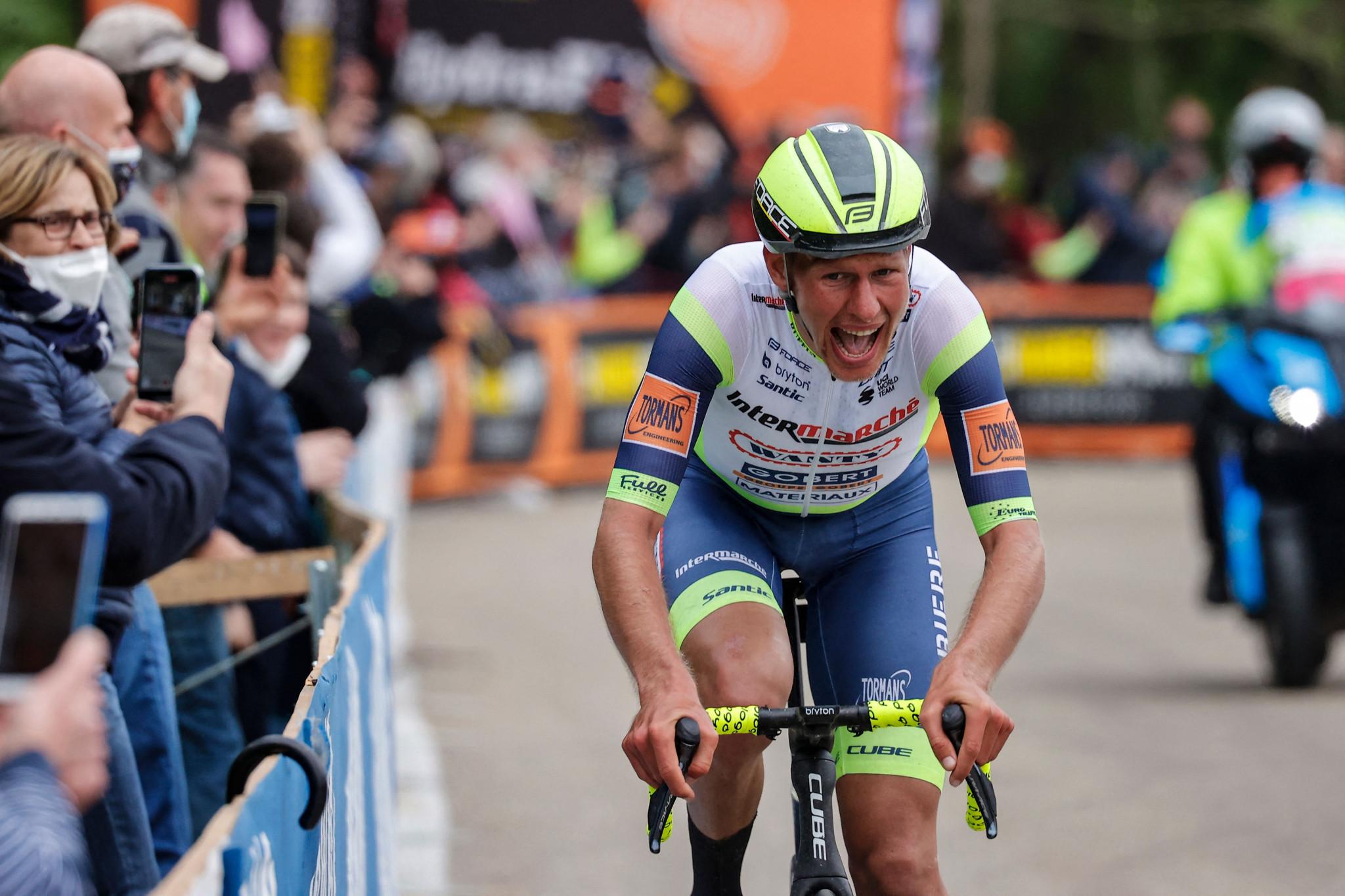 Van der Hoorn takes shock victory in stage three of Benelux Tour
