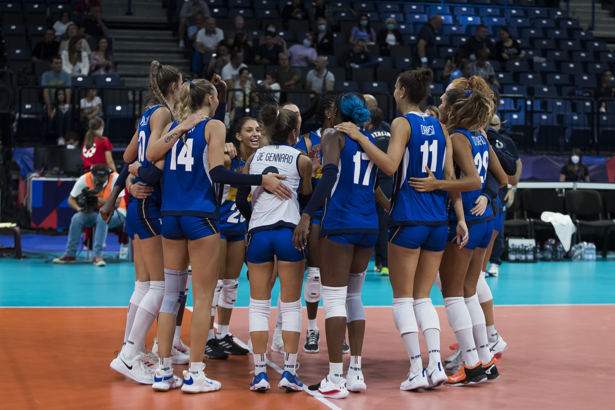 Serbia and Russia dominate to advance to 2021 Women's EuroVolley semi-finals