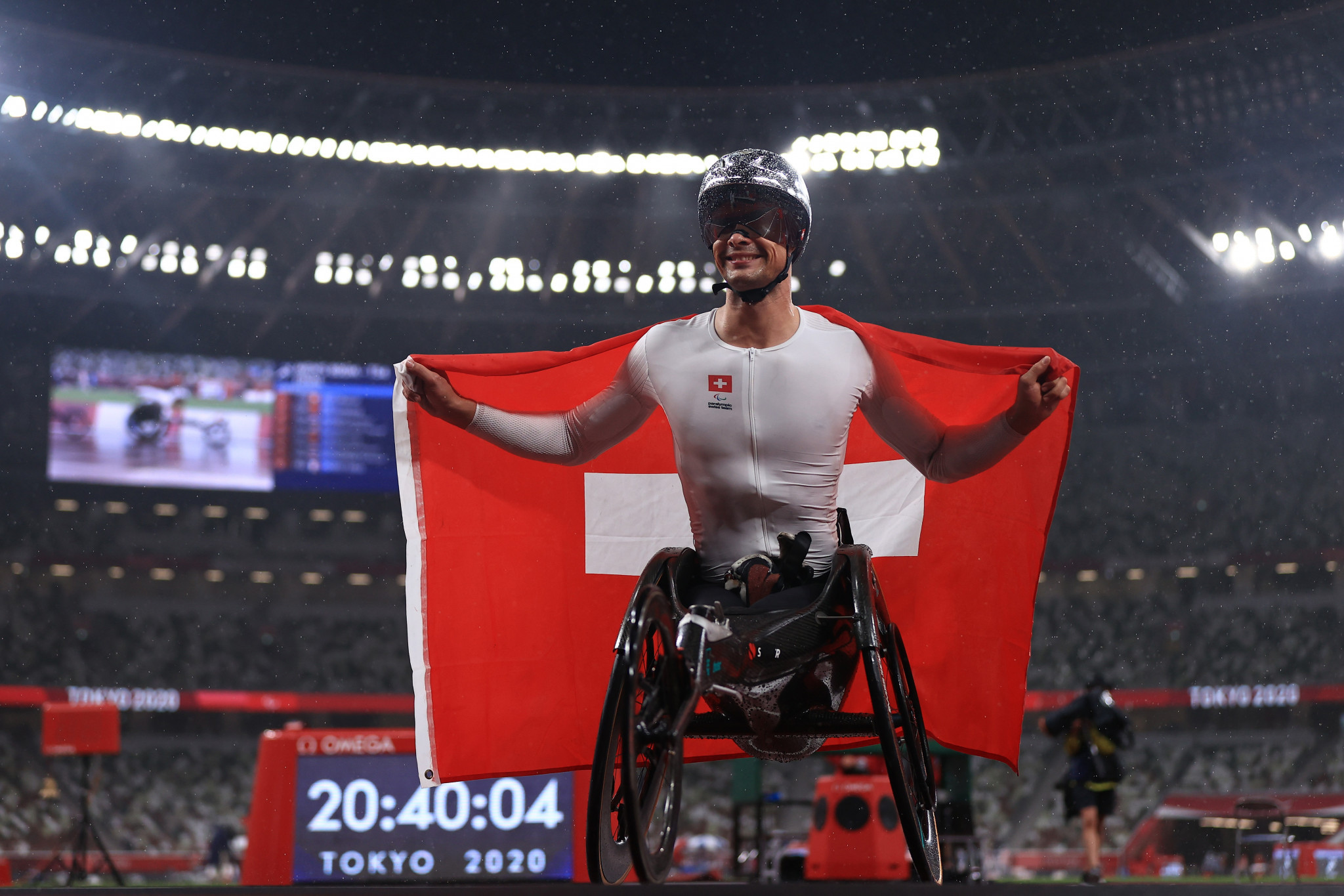 Switzerland enjoy magical night on the track as Hug completes Tokyo 2020 hat-trick