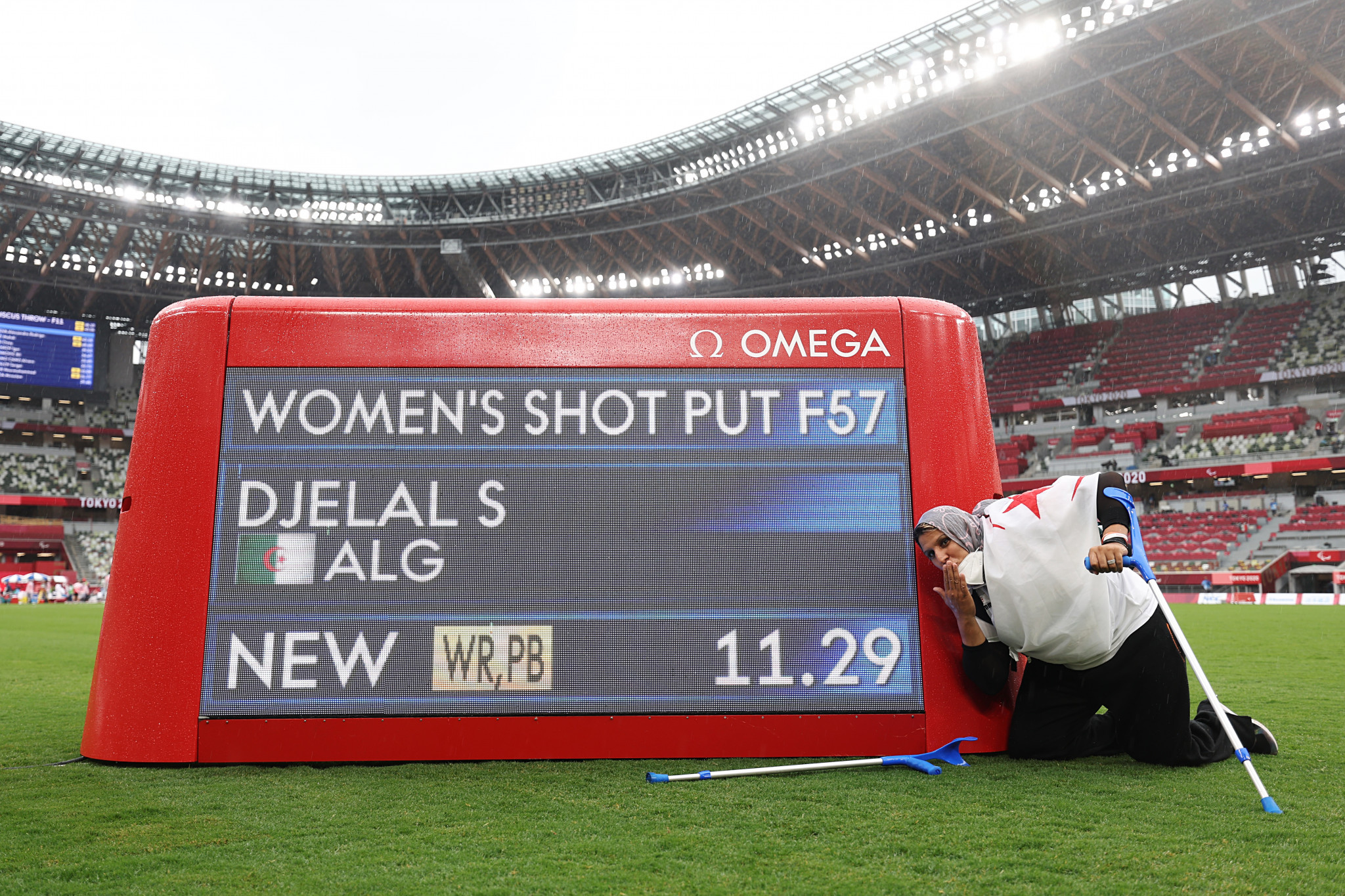 Safia Djelal registered a world record to win the women's F57 shot put crown ©Getty Images