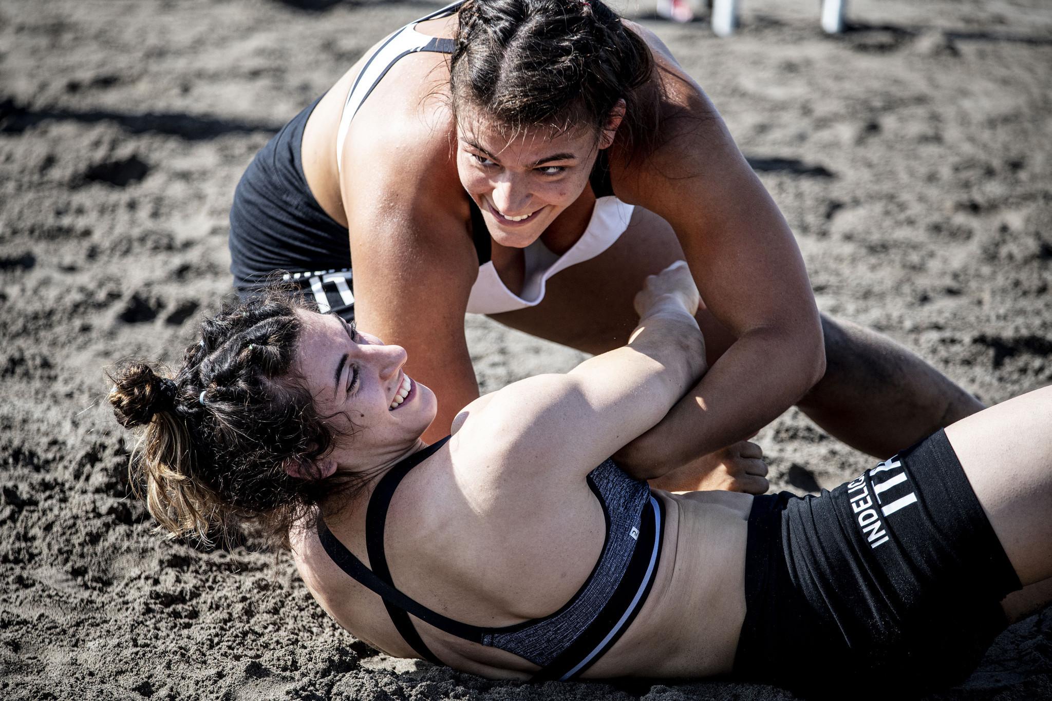 Rinaldi rules in Rome at Beach Wrestling World Series