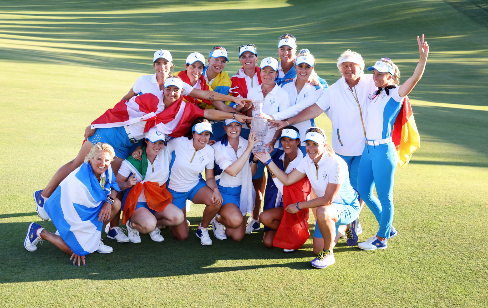 Europe win Solheim Cup after final day singles shared