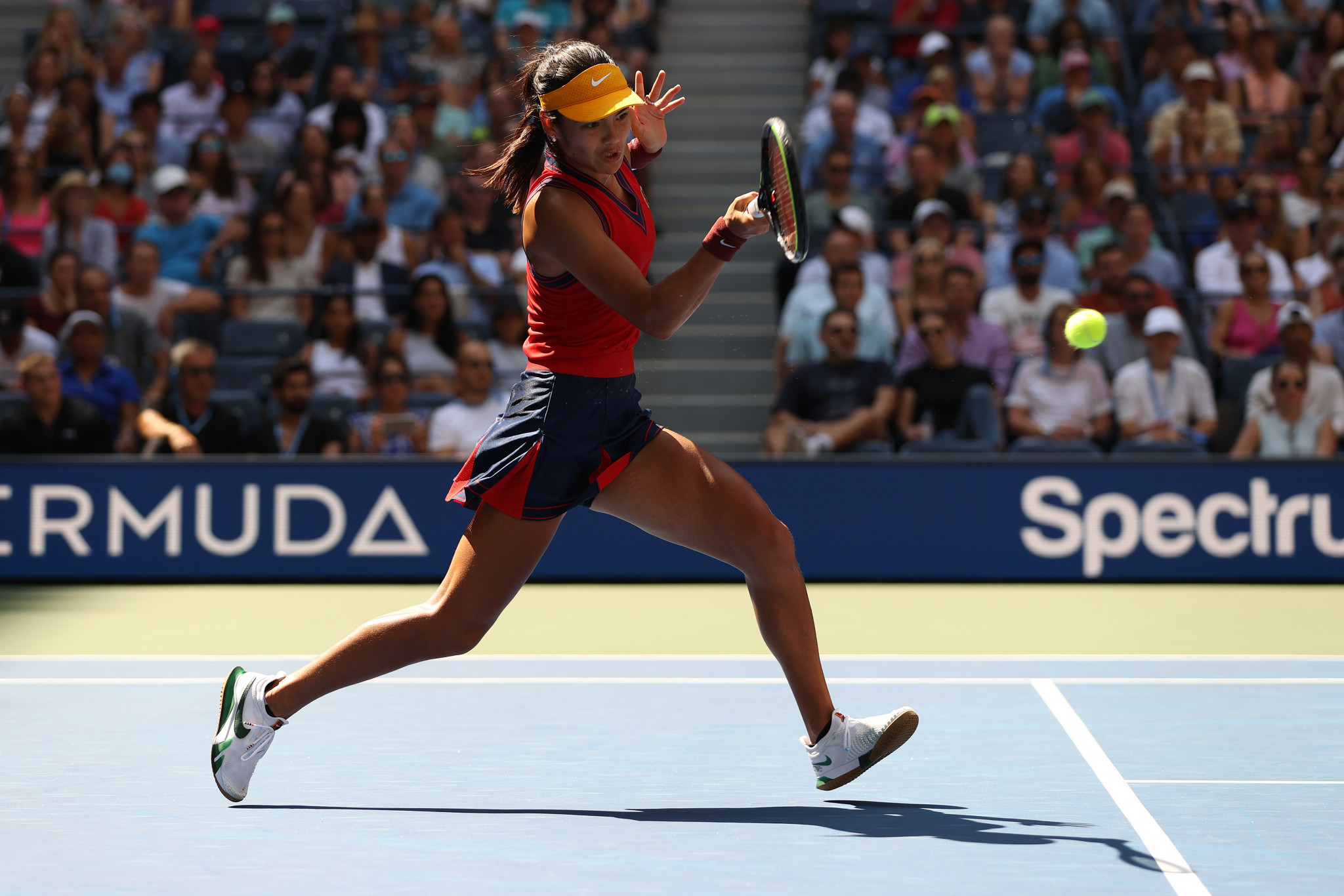 Raducanu becomes first qualifier to reach US Open semi-finals with win over Bencic