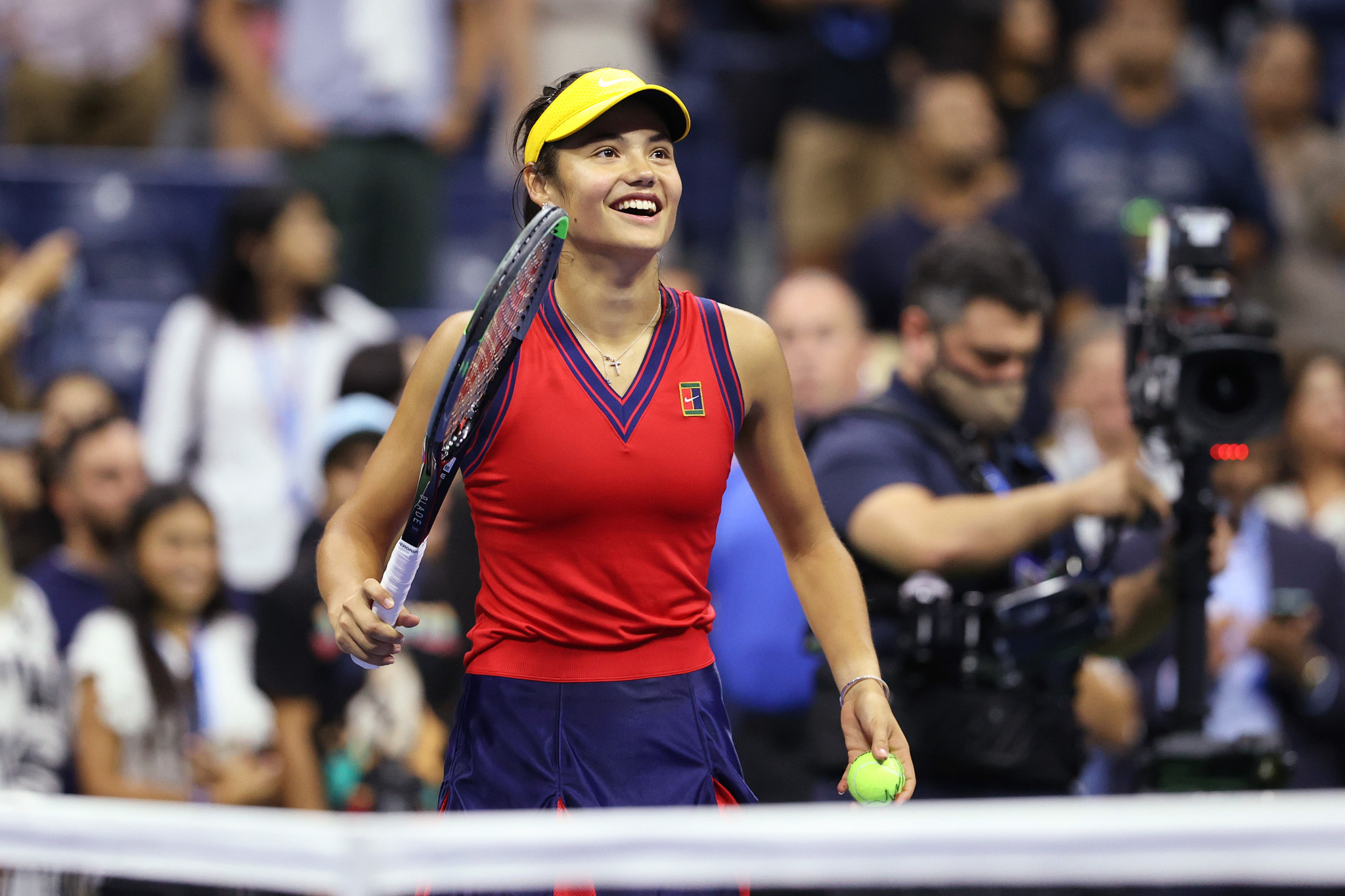 Teenagers Fernandez and Raducanu reach US Open final with sensational victories
