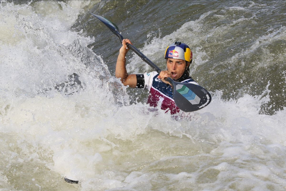 Fox and Přindiš win in Pau to clinch K1 ICF Canoe Slalom World Cup titles