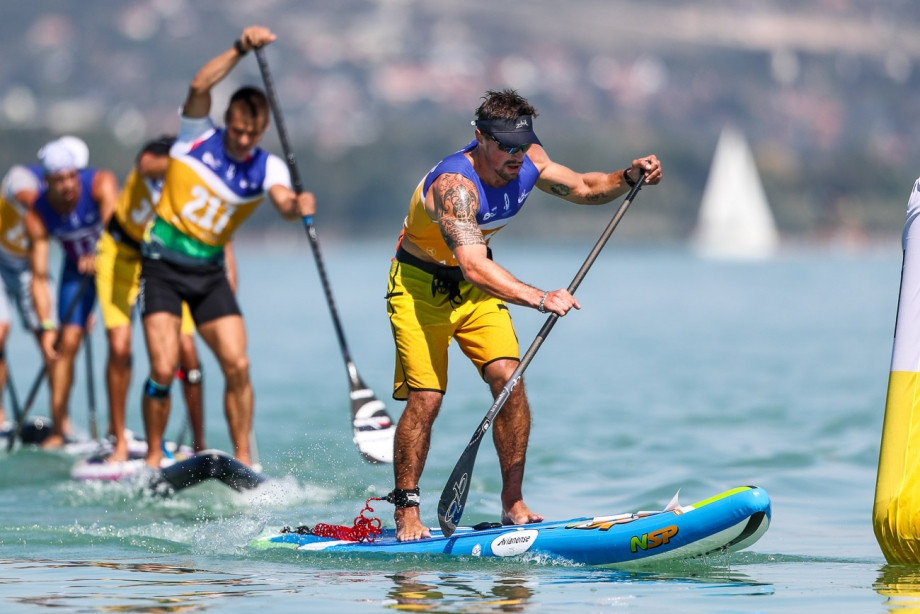 Andrey Kraitor finished the men's inflatable race in 46min 49.38sec to win the gold medal ©ICF