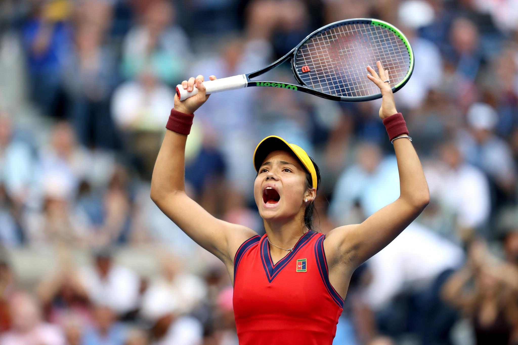 Sensational Raducanu beats Fernandez in all-teenage US Open final
