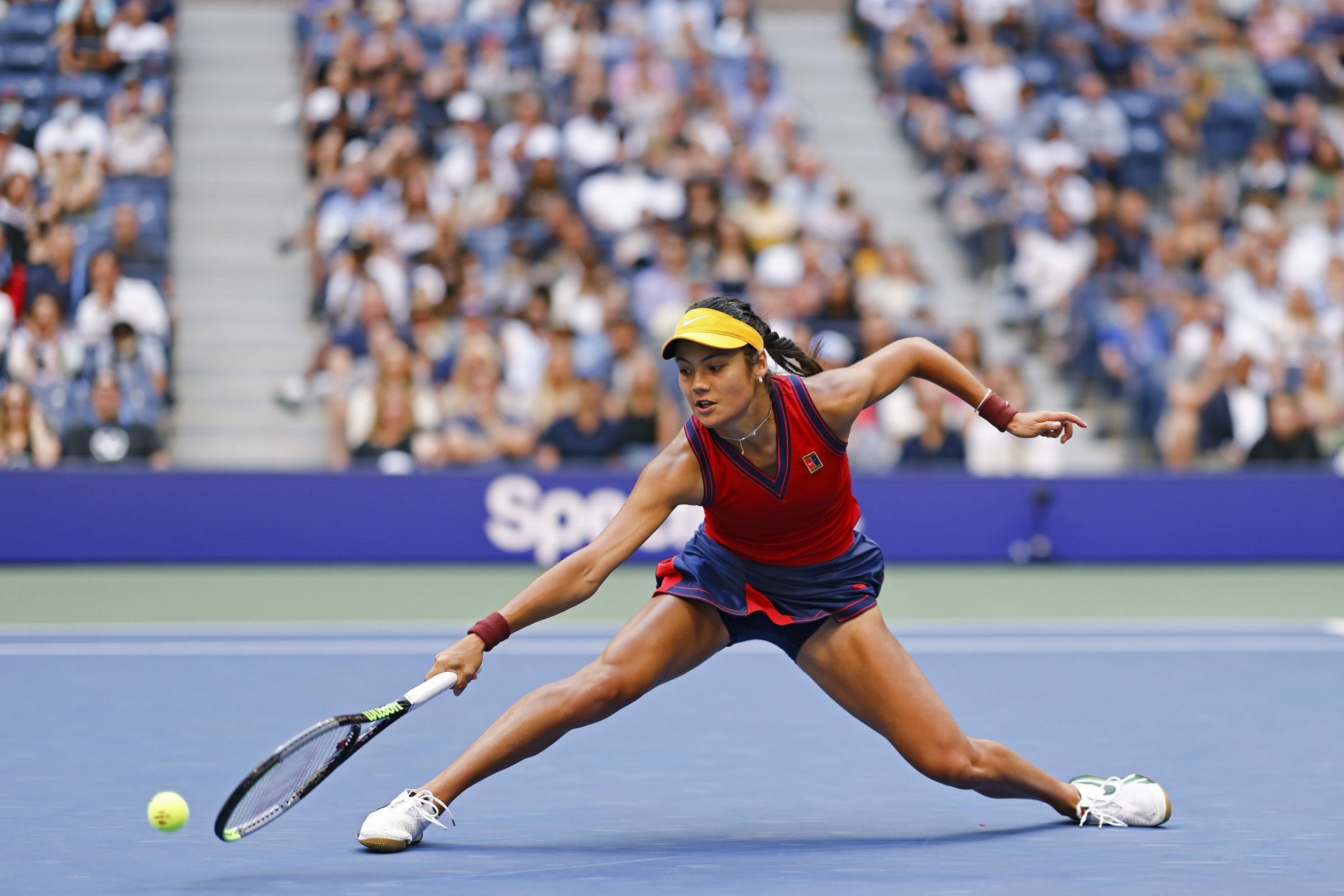 Relentless Raducanu becomes first-ever qualifier to win a Grand Slam at US Open