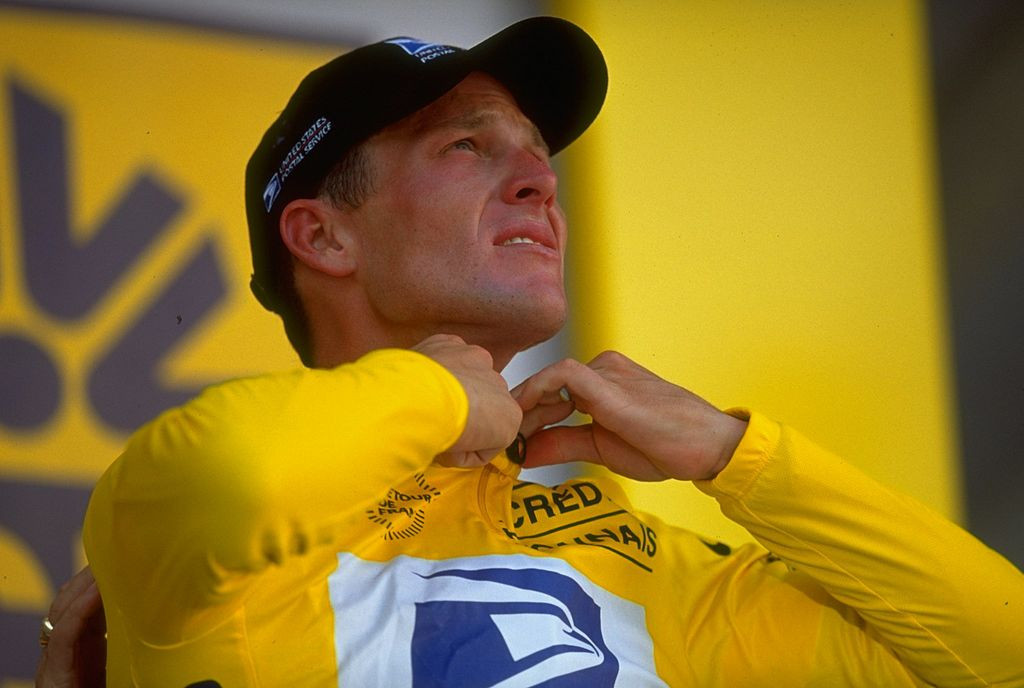 Lance Armstrong gets the feel of the Maillot Jaune in 1999, the year of his first Tour de France victory ©Getty Images