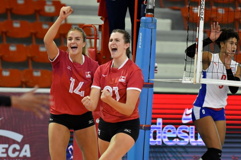 Canada won their second match of the Women's Volleyball Pan American Cup, defeating Cuba 25-11, 25-14, 25-10 ©NORCECA