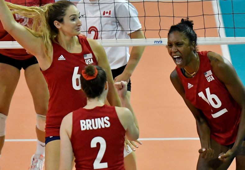 The United States won the battle of the undefeateds against Canada in the Women's Volleyball Pan American Cup ©NORCECA